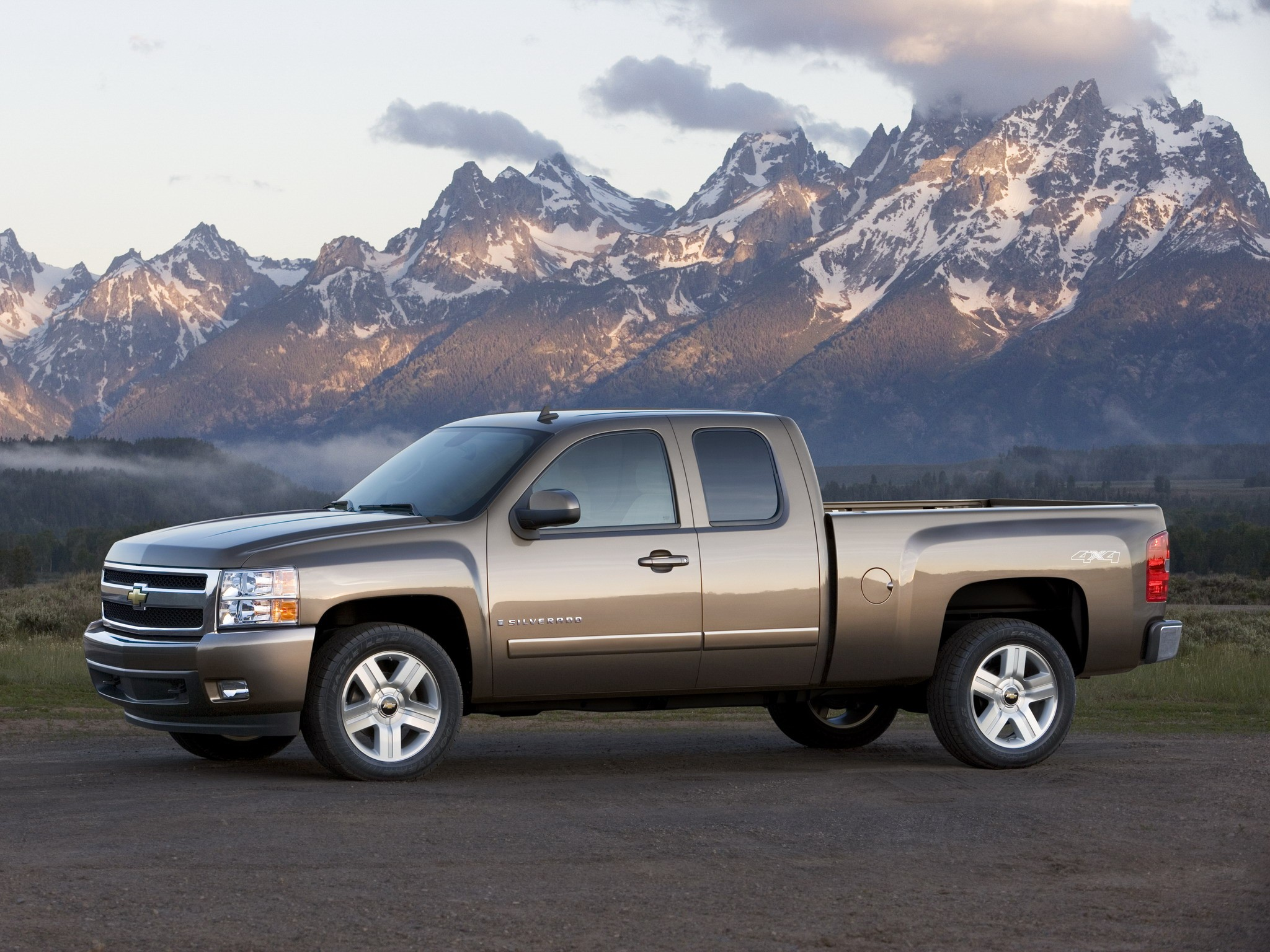 Chevrolet Silverado Extended Cab on Chevy Extended Cab