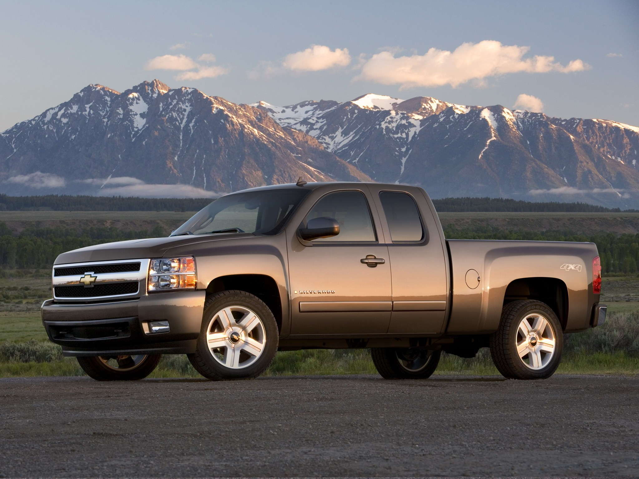 chevrolet silverado 1500 extended cab specs 2008 2009 2010 2011 2012 autoevolution. Black Bedroom Furniture Sets. Home Design Ideas
