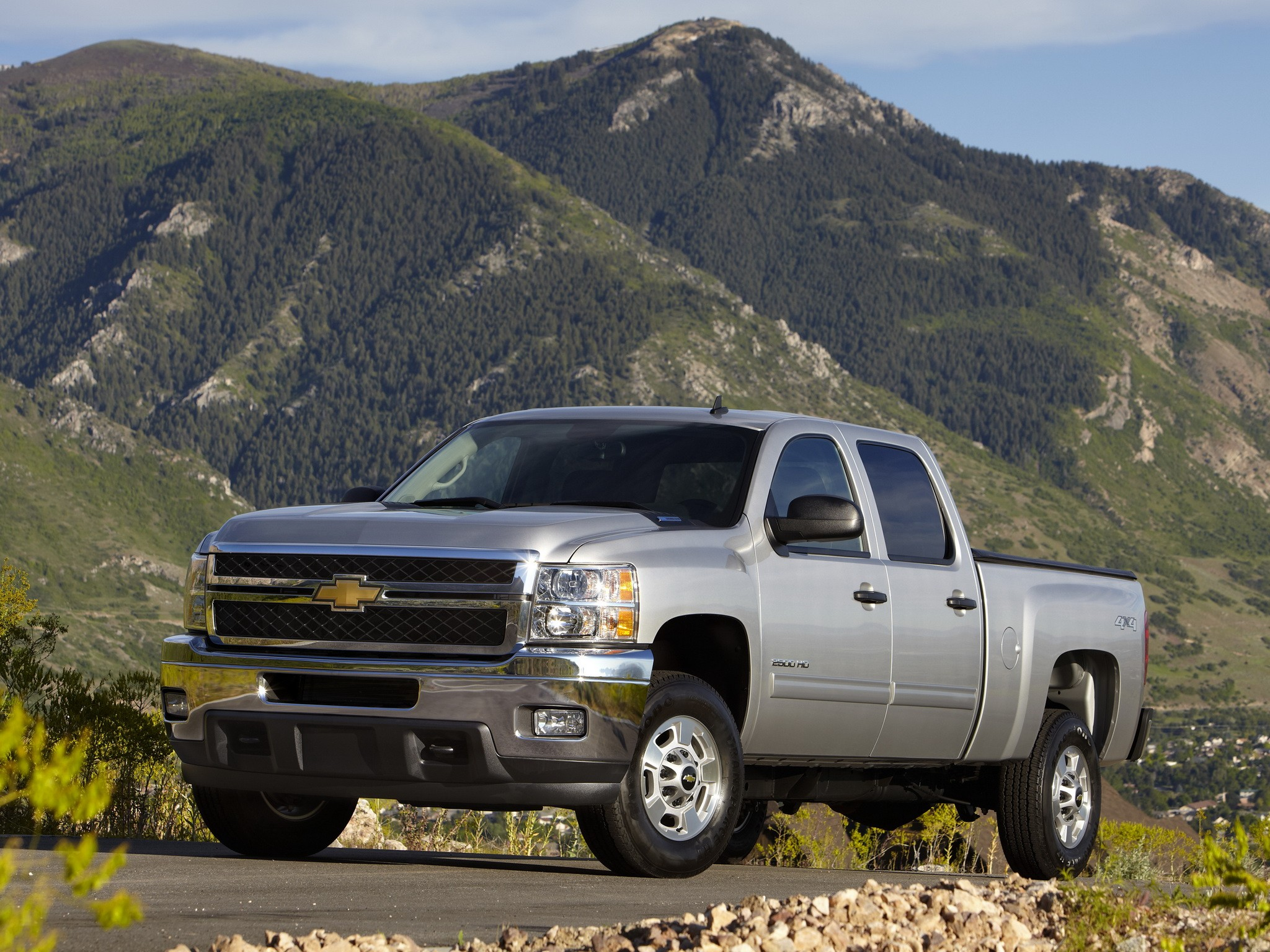 chevrolet silverado 2500hd crew cab specs 2008 2009. Black Bedroom Furniture Sets. Home Design Ideas