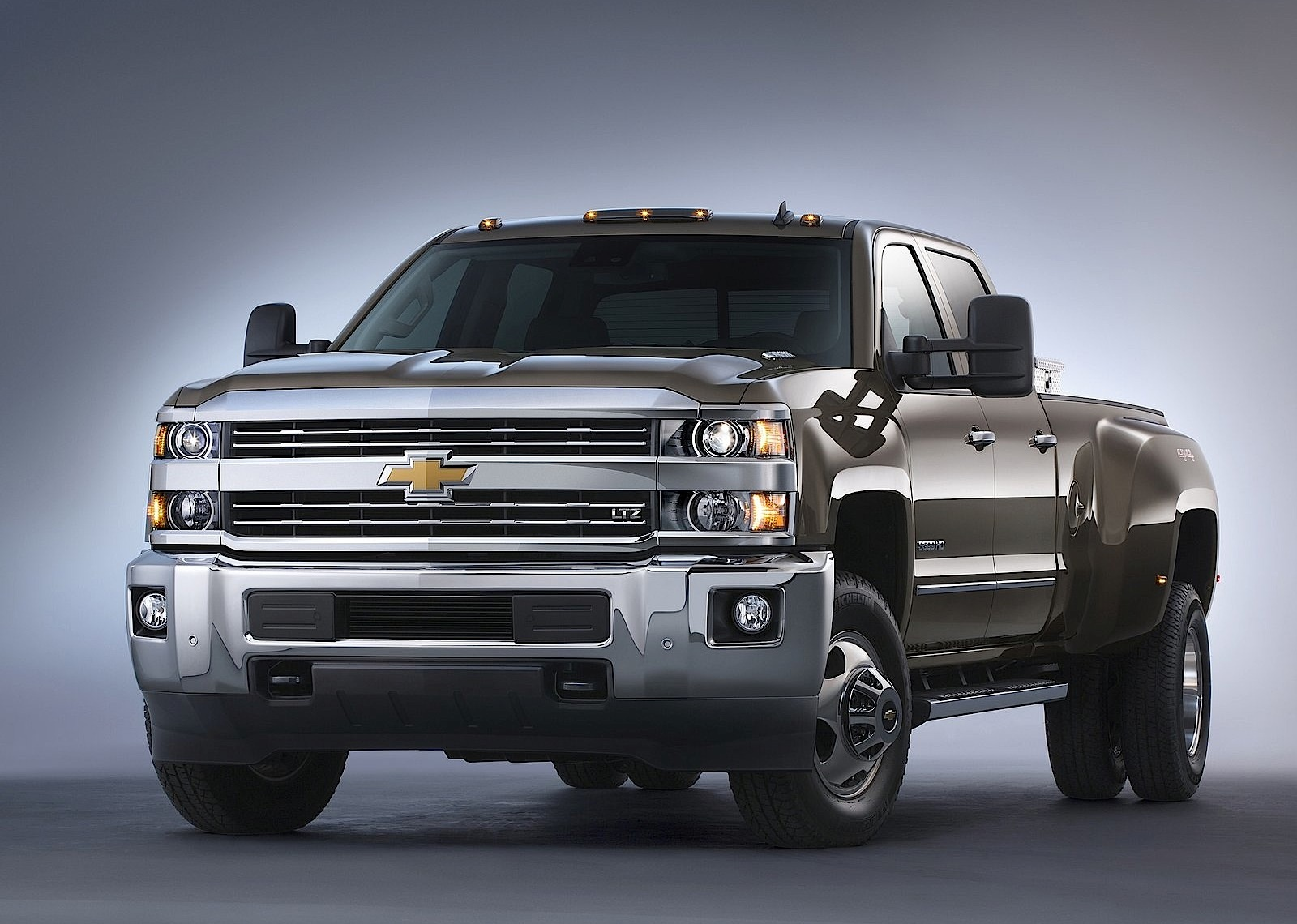 CHEVROLET Silverado 3500 HD Crew Cab specs & photos - 2013, 2014, 2015, 2016, 2017, 2018, 2019 ...