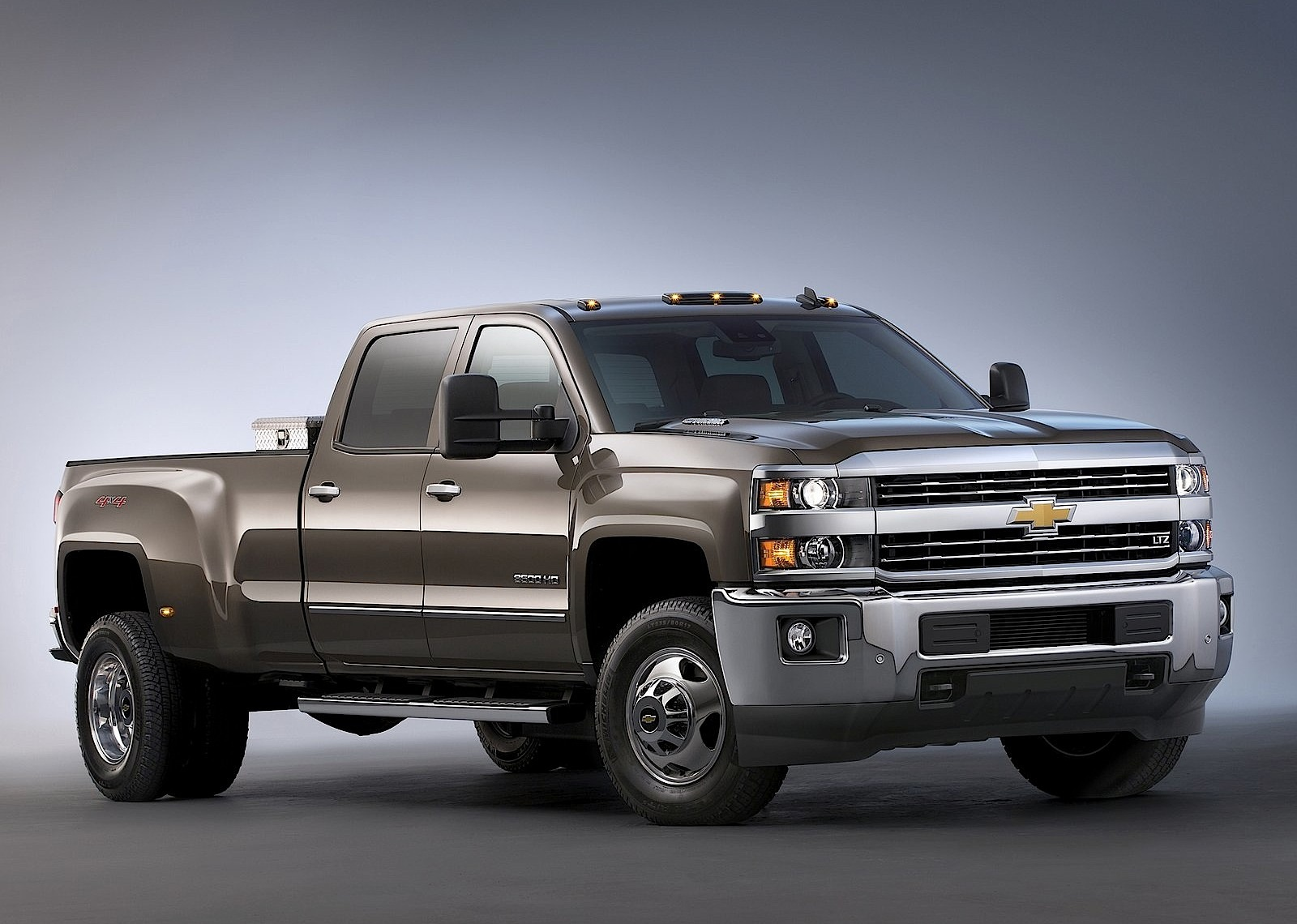 CHEVROLET Silverado 3500 HD Crew Cab specs & photos - 2013 ...