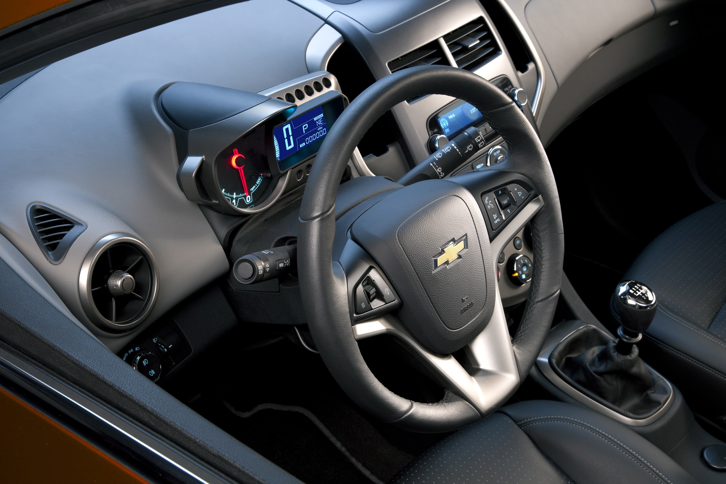 CHEVROLET Sonic Sedan specs & photos - 2011, 2012, 2013 ...