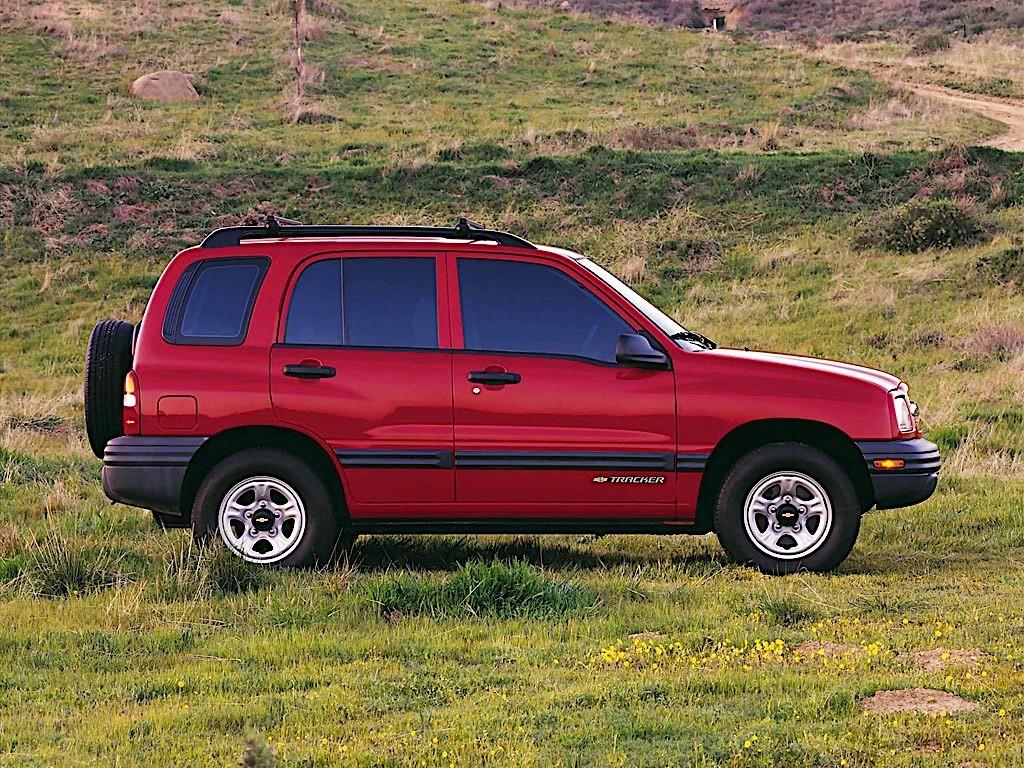 CHEVROLET Tracker specs & photos - 1999, 2000, 2001, 2002 ...