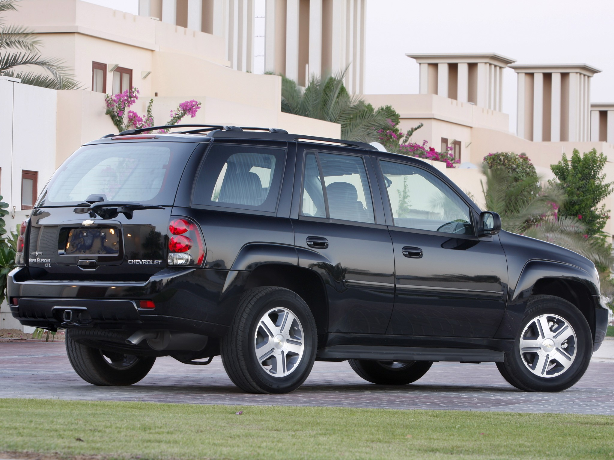 Chevrolet Trailblazer Specs Amp Photos 2008 2009 2010