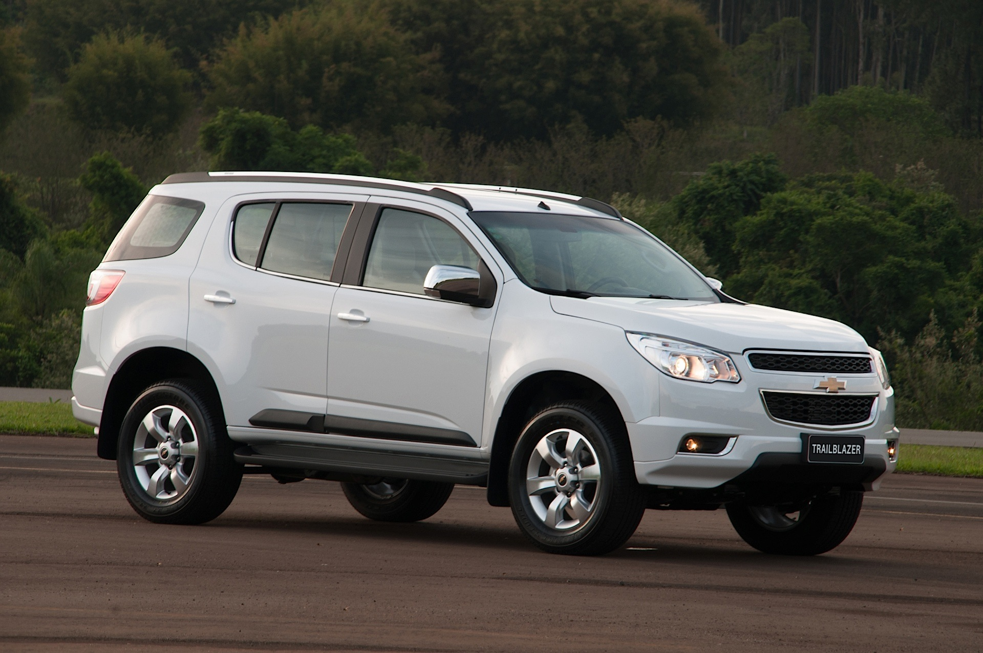 CHEVROLET TrailBlazer specs - 2012, 2013, 2014, 2015, 2016 ...