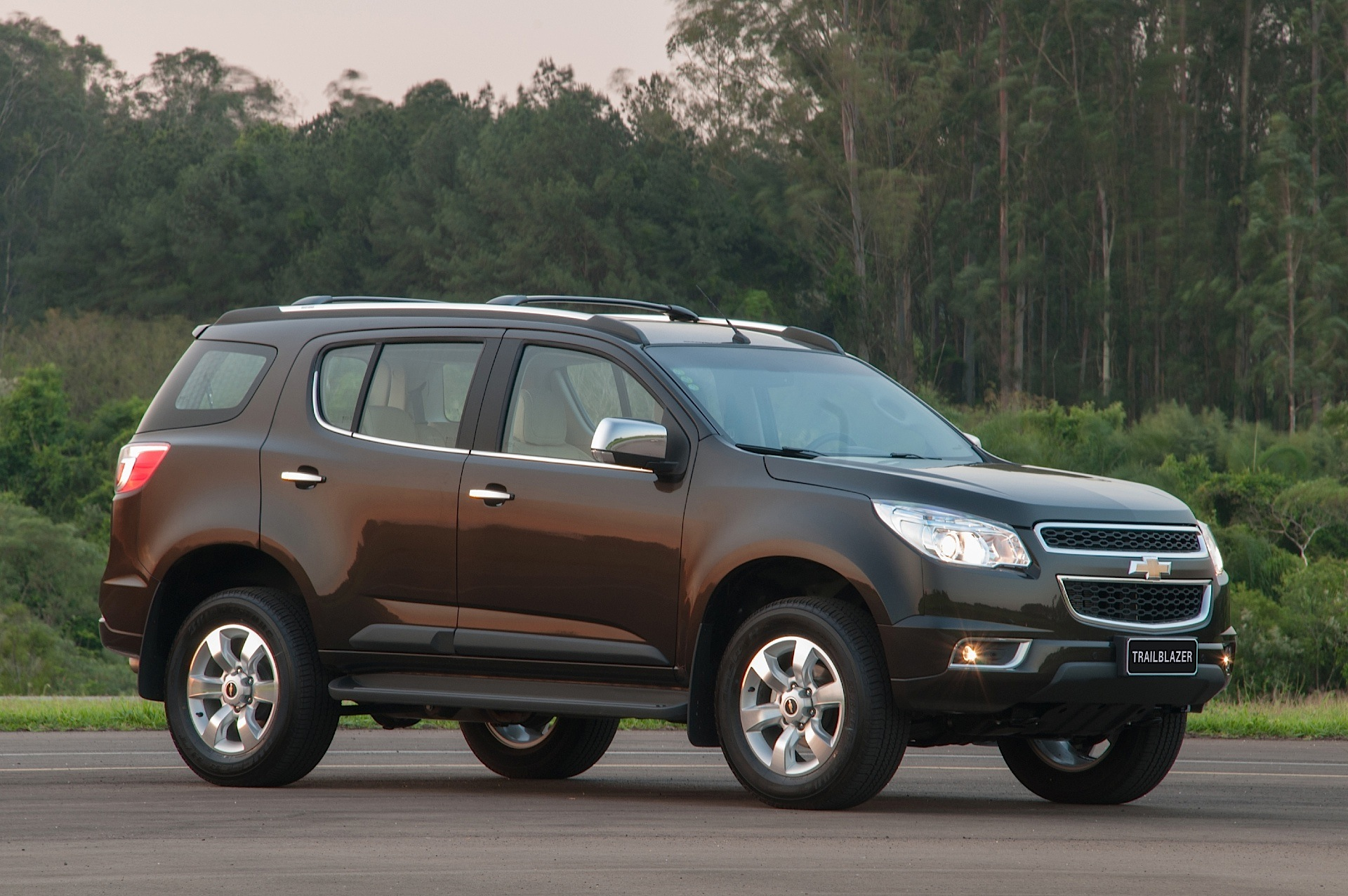 CHEVROLET Trailblazer specs & photos - 2012, 2013, 2014 ...