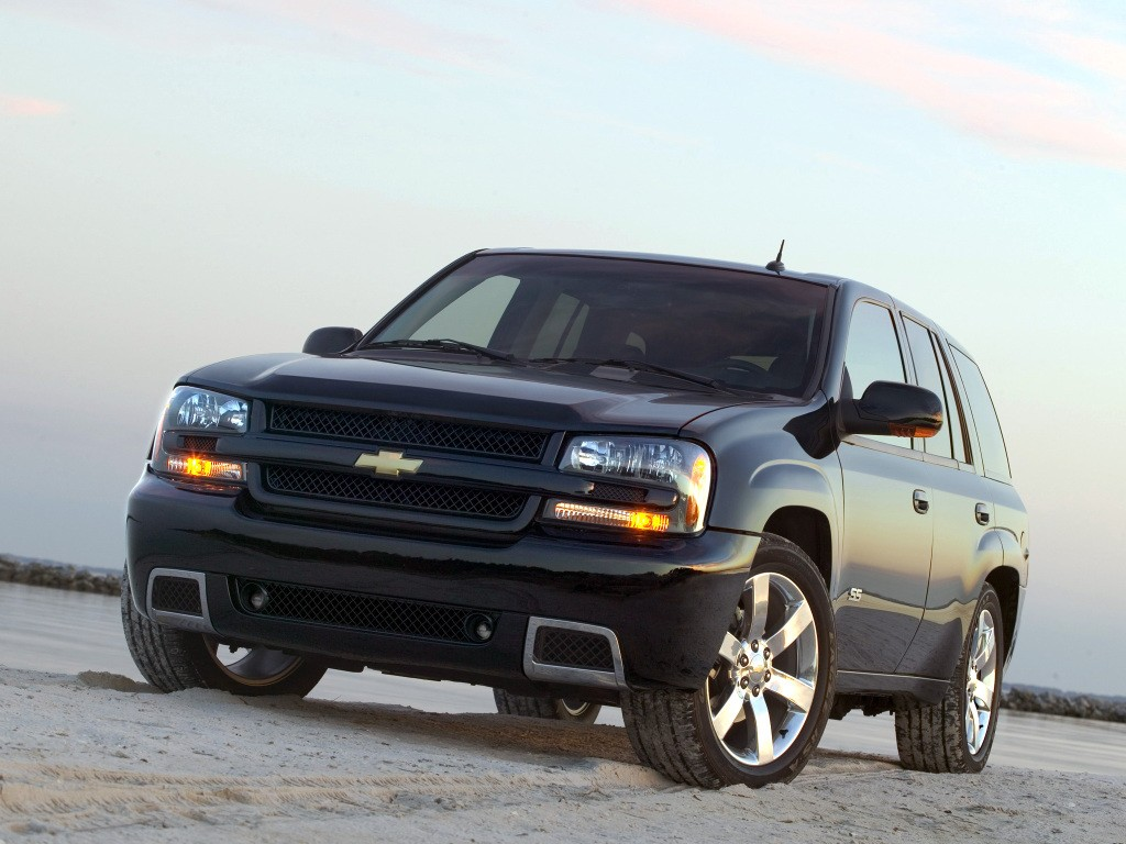 Chevrolet Trailblazer Ss on 2005 Chevrolet Corvette Coupe Specs