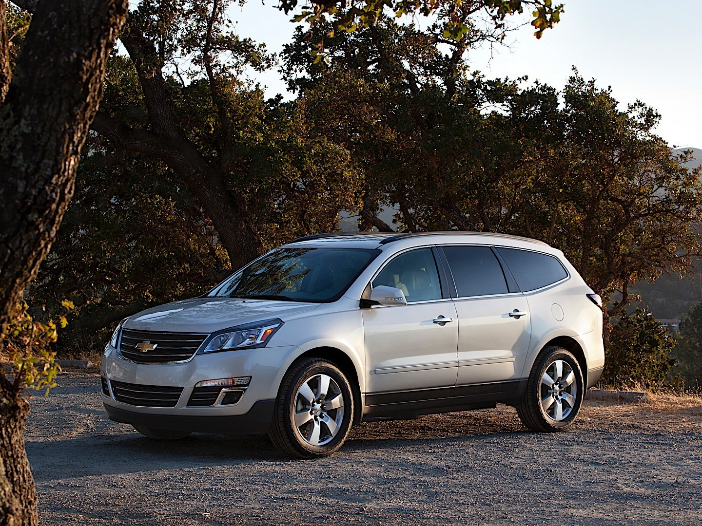 Chevrolet Traverse Specs  U0026 Photos