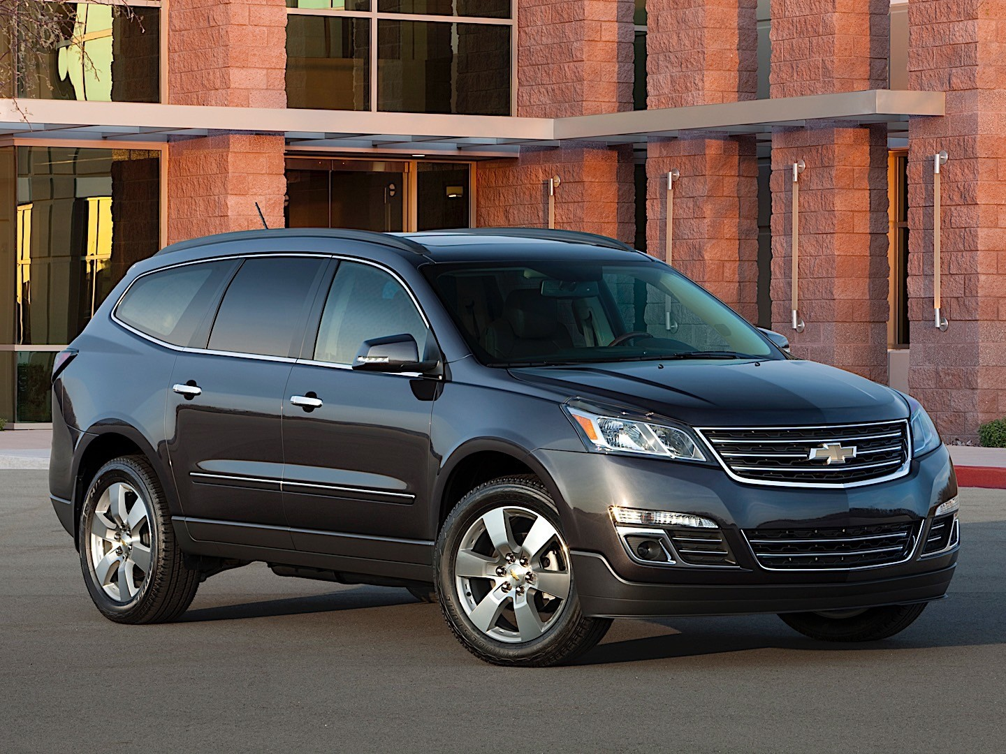 CHEVROLET Traverse specs & photos - 2012, 2013, 2014, 2015 ...