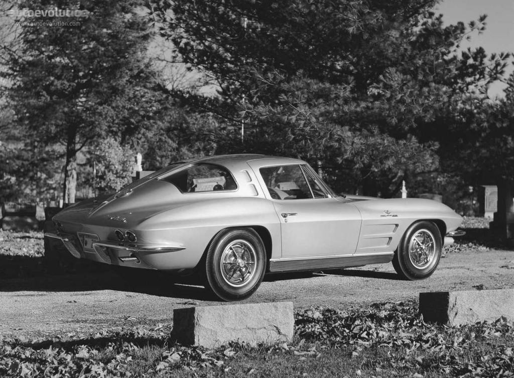 CHEVROLET Corvette C2 Sting Ray Coupe specs & photos ...