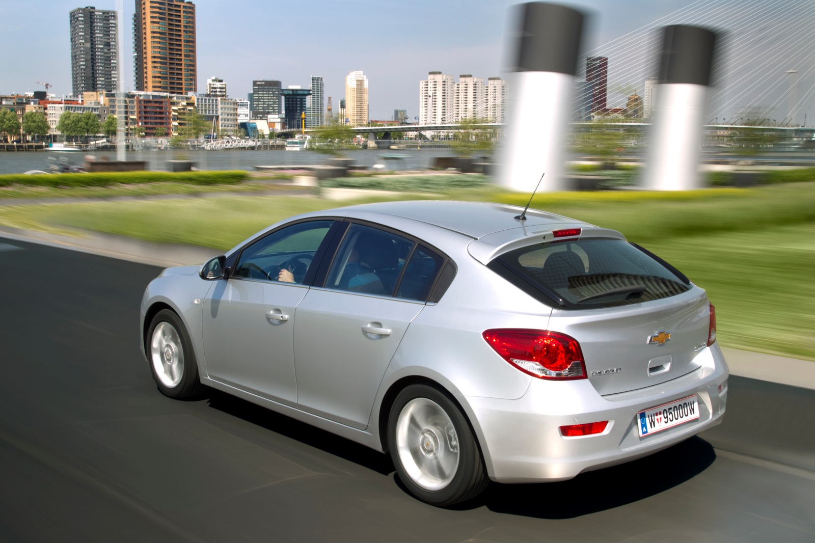 CHEVROLET Cruze HB5 specs & photos - 2011, 2012, 2013, 2014, 2015, 2016, 2017, 2018, 2019 ...