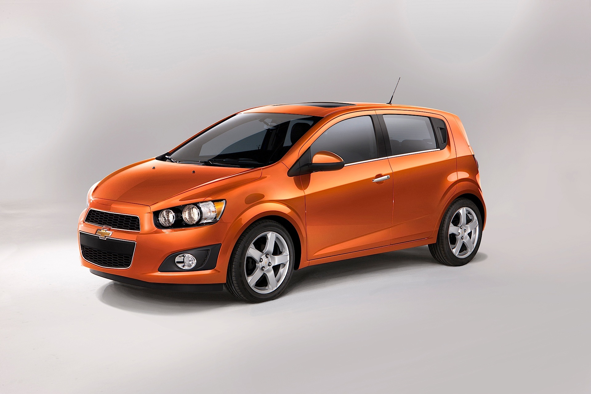 Chevy Sonic Hatchback >> CHEVROLET Sonic Hatchback 5 Doors - 2011, 2012, 2013, 2014 ...
