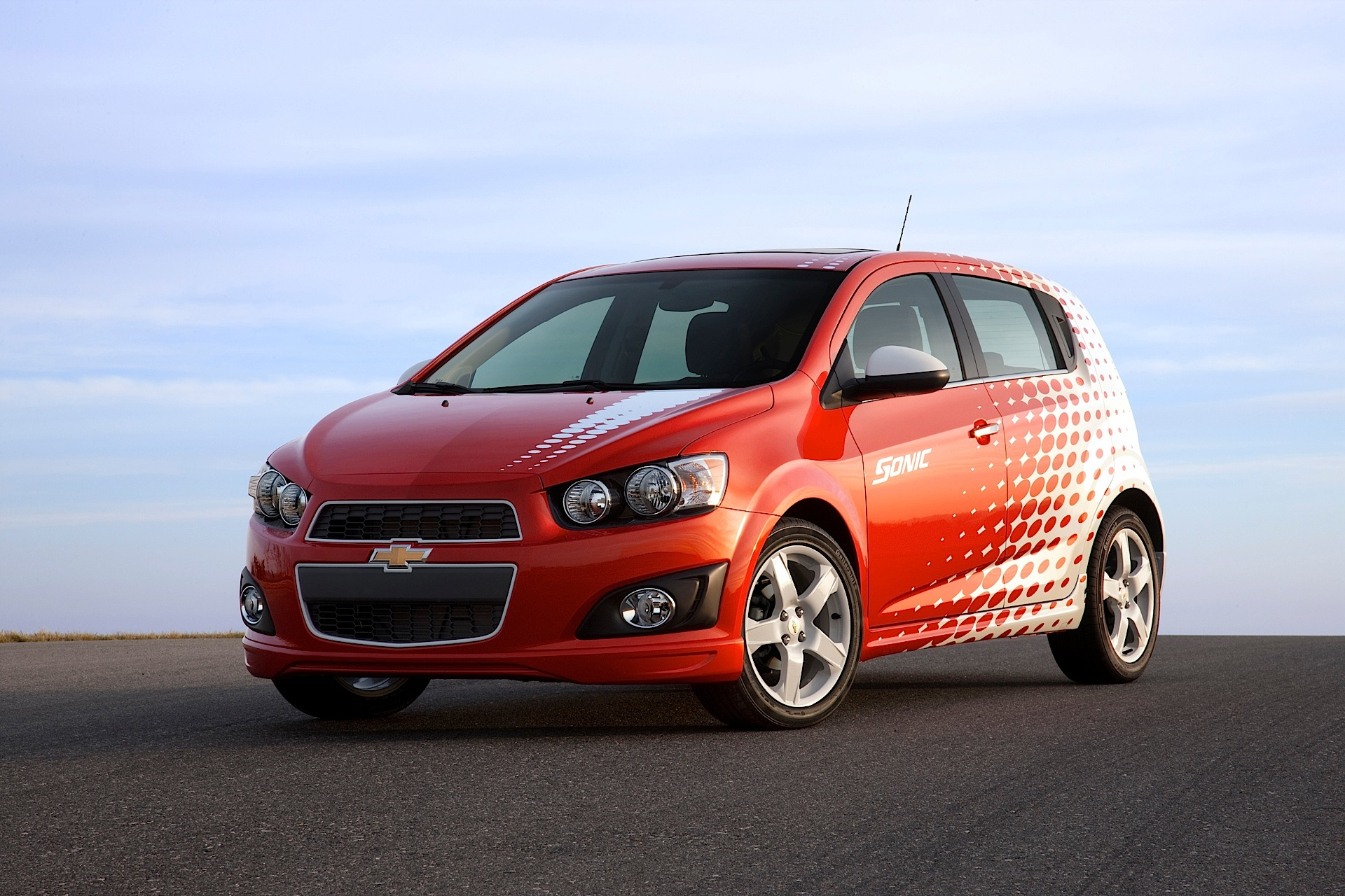 chevrolet sonic hatchback 5 doors specs  u0026 photos
