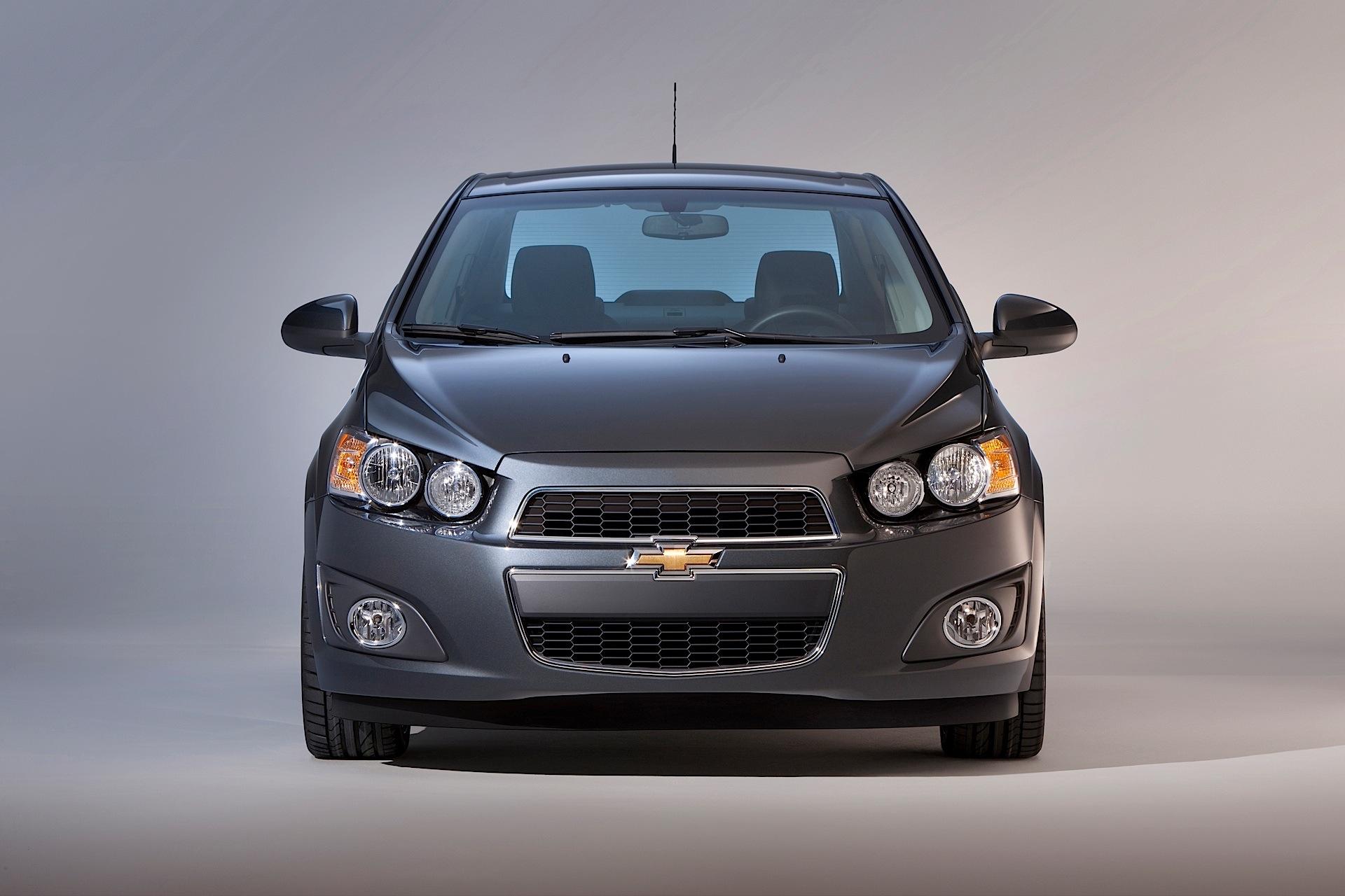 Chevrolet Sonic Hatchback 5 Doors Specs Amp Photos 2011