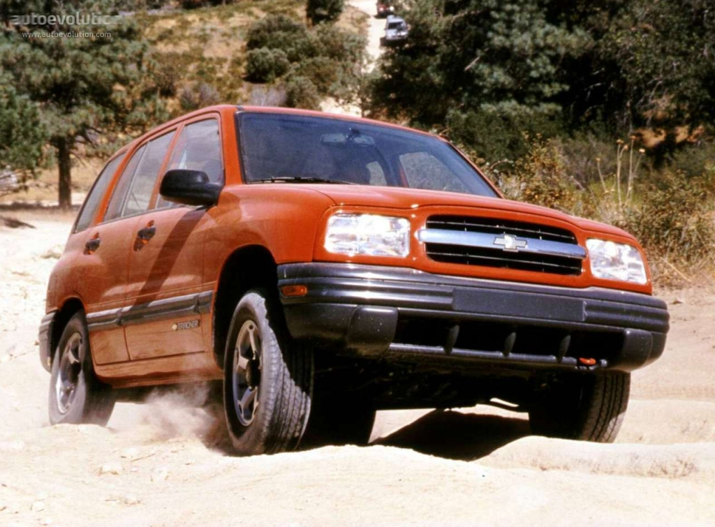Chevrolet Tracker Specs Amp Photos 1999 2000 2001 2002