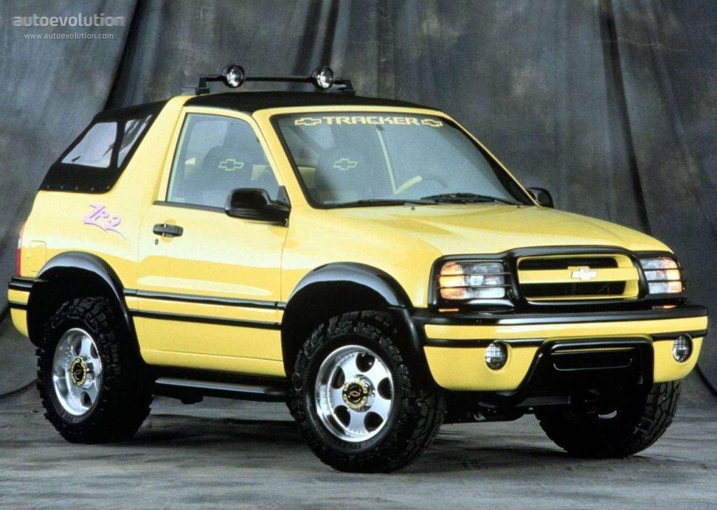 CHEVROLET Tracker Convertible specs & photos - 1999, 2000 ...
