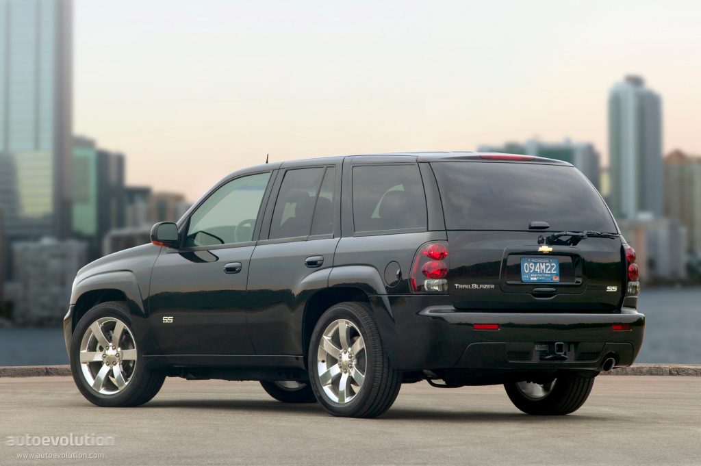 CHEVROLET TrailBlazer specs & photos - 2008, 2009, 2010 ...