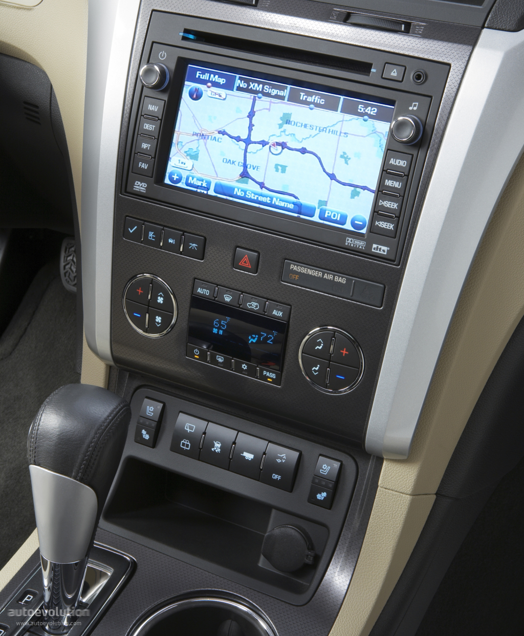 2012 Chevrolet Traverse Interior: CHEVROLET Traverse Specs & Photos
