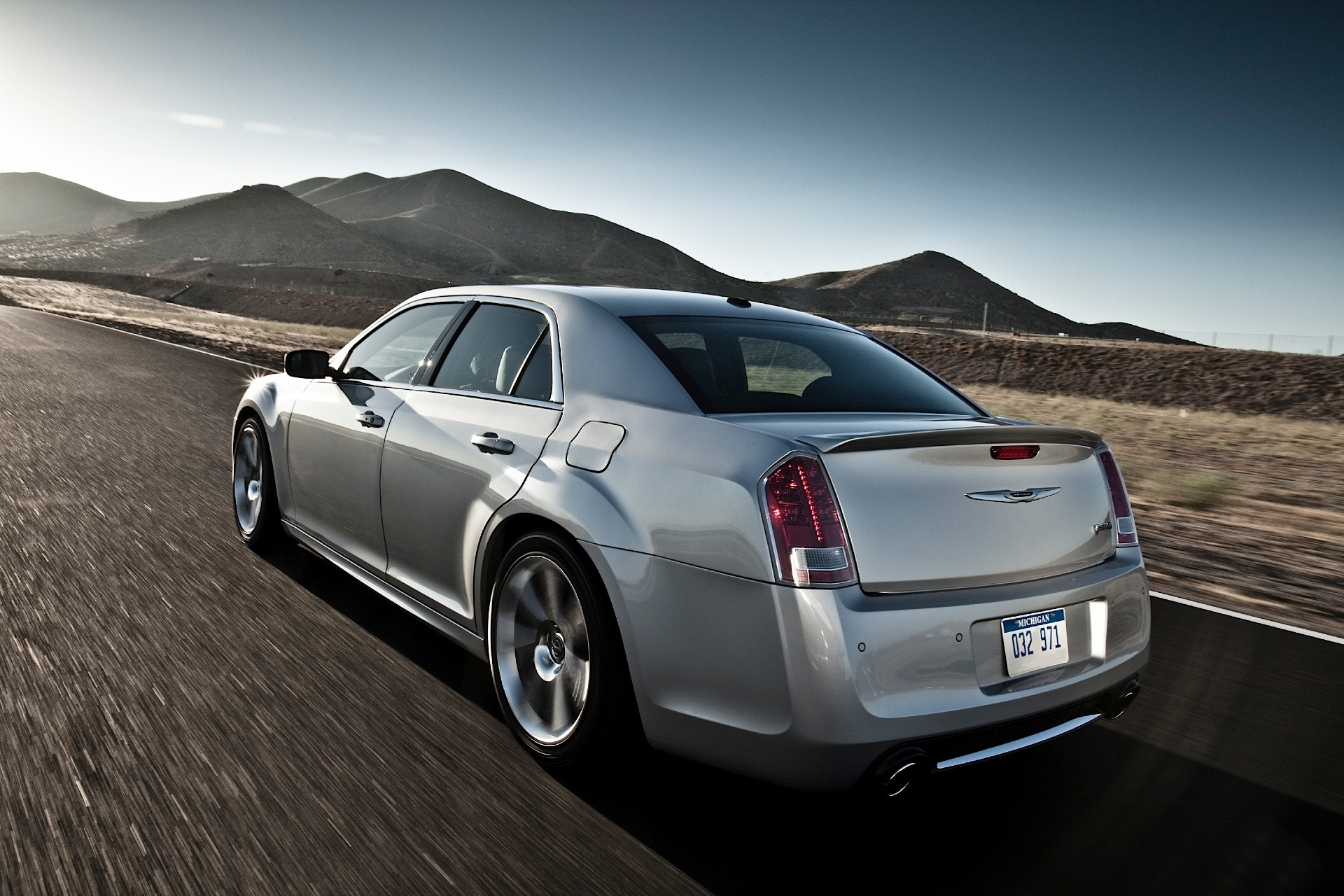 Awd Sports Cars >> CHRYSLER 300 SRT8 specs & photos - 2011, 2012, 2013, 2014 ...
