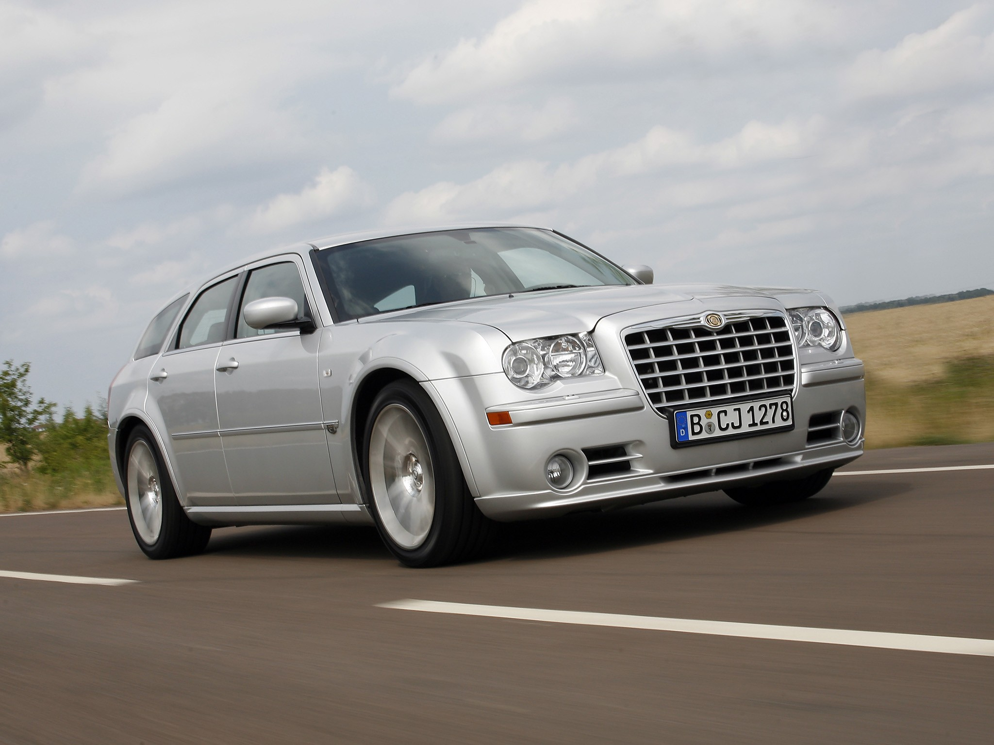 Chrysler 300c Touring Srt8 Specs Amp Photos 2006 2007