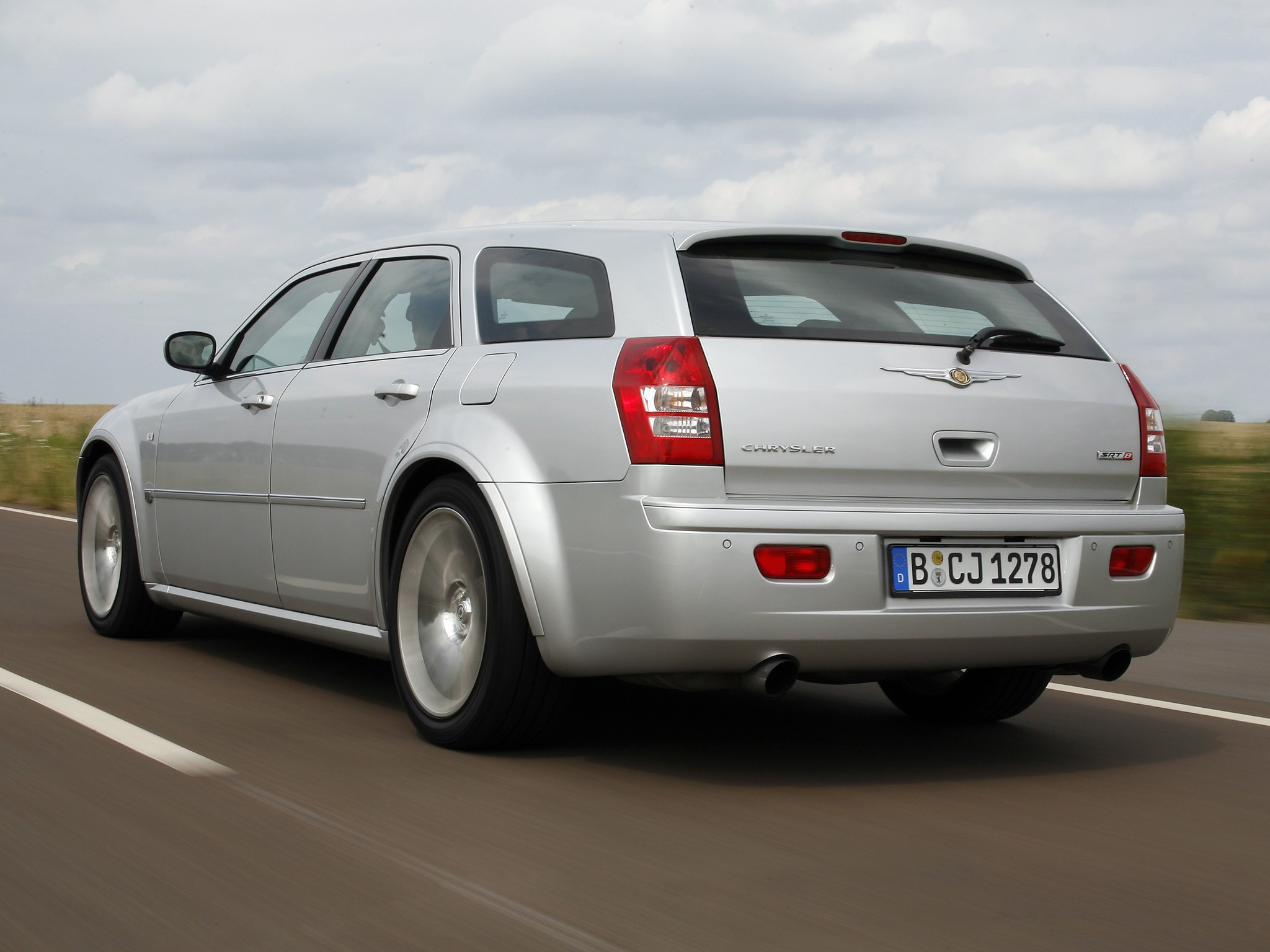 CHRYSLER 300C Touring SRT8 Specs