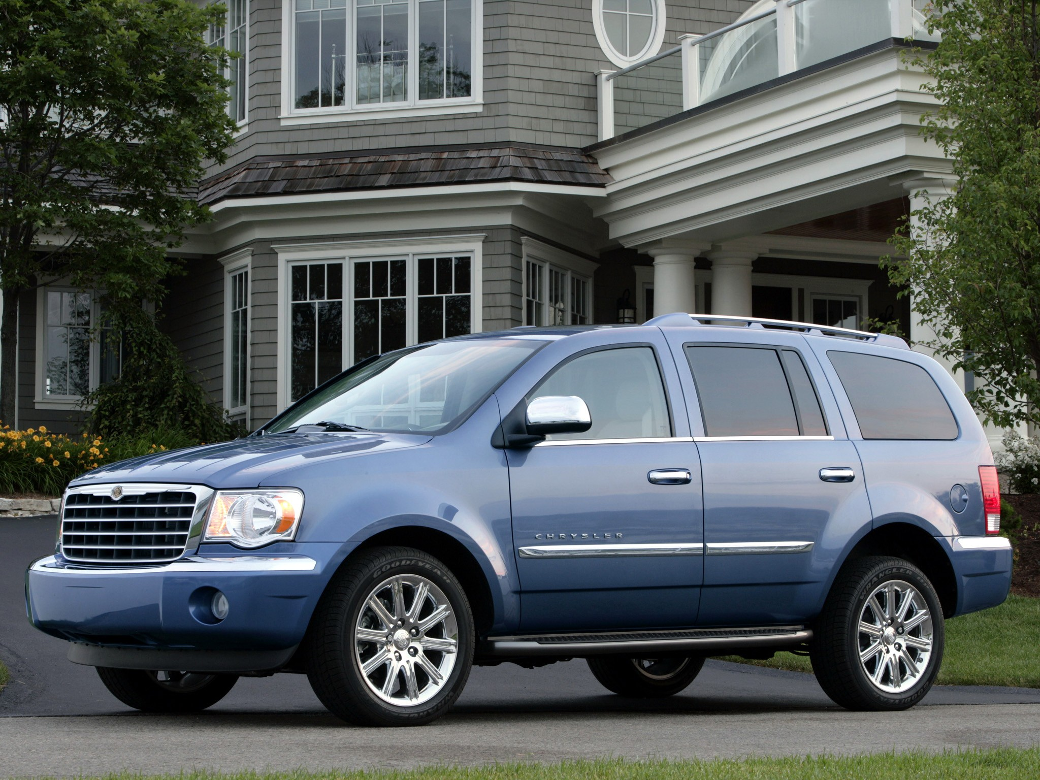 Chrysler Aspen on 2005 Dodge Durango