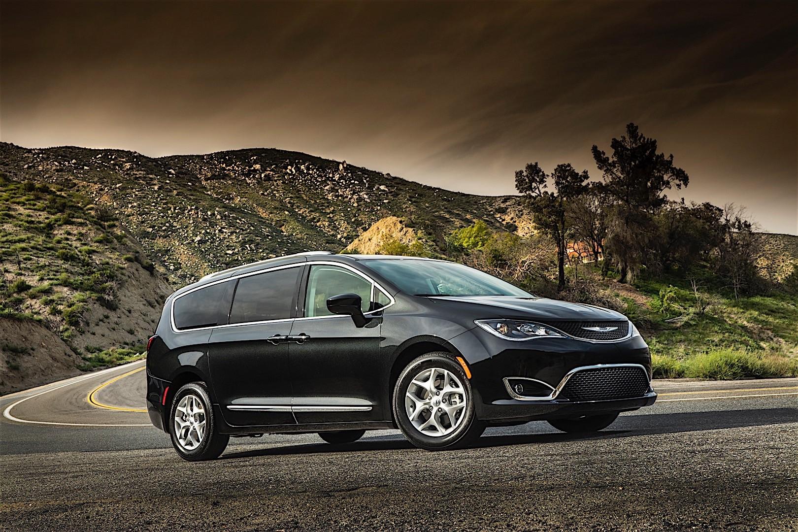 Chrysler Pacifica Specs 2016 2017 2018 Autoevolution