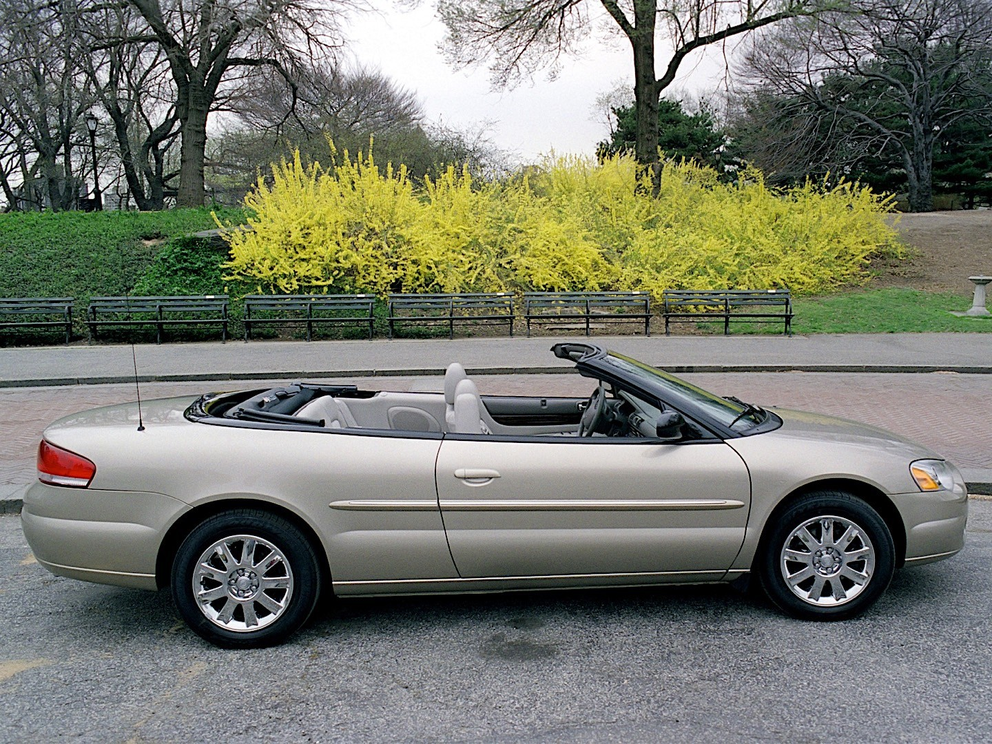 chrysler sebring convertible specs 2003 2004 2005 2006 2007 autoevolution. Black Bedroom Furniture Sets. Home Design Ideas