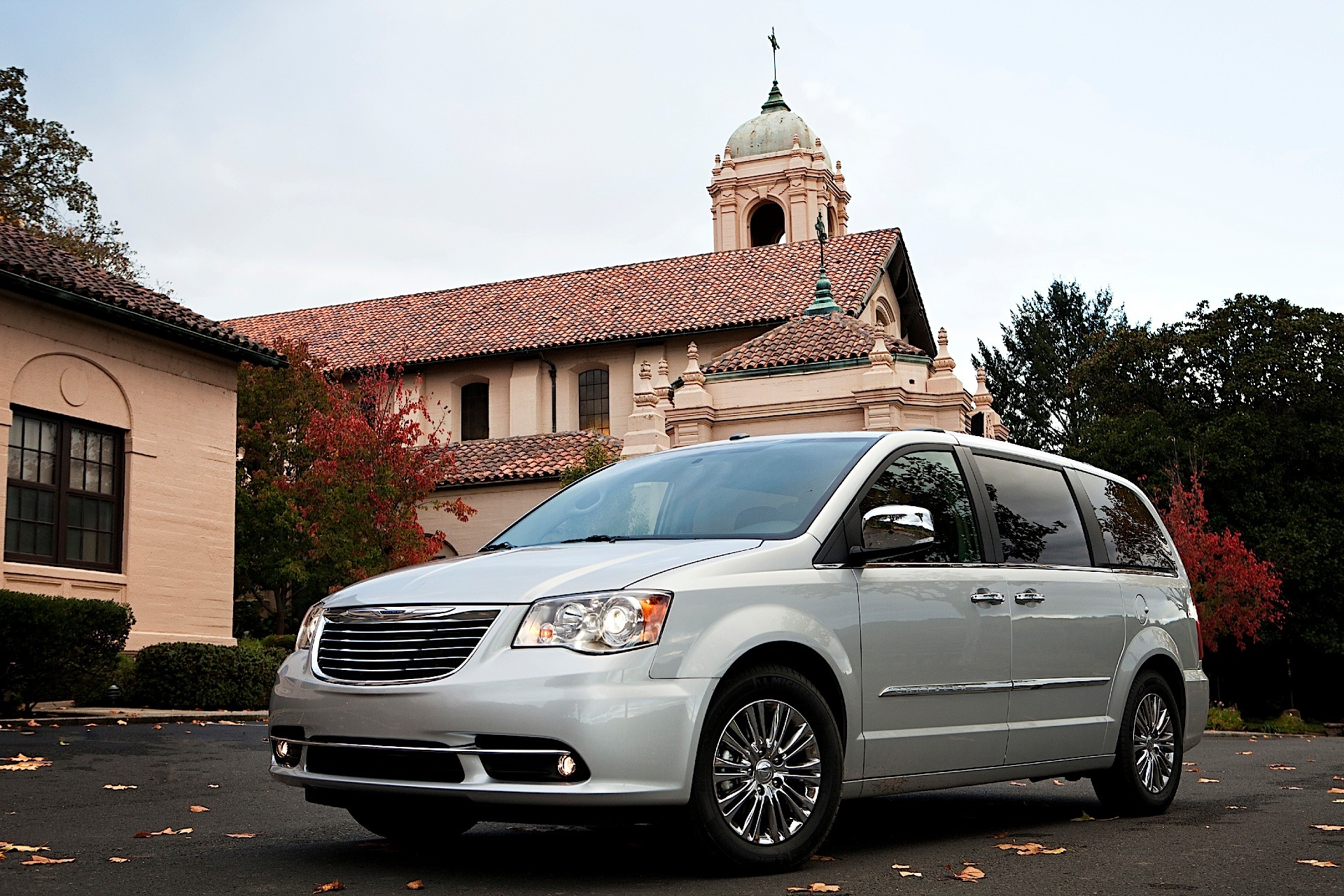 lx photos passenger country minivan van and town features front price drive wheel chrysler lwb photo reviews