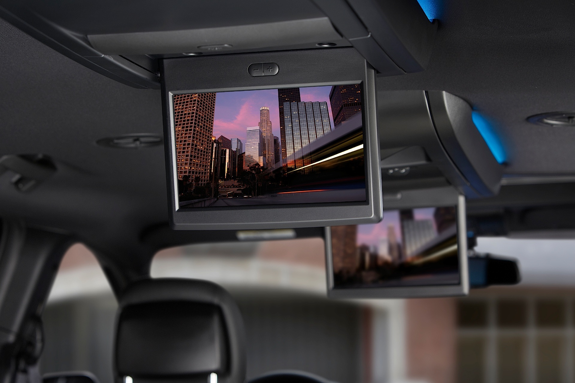 2009 chrysler town and country dvd system
