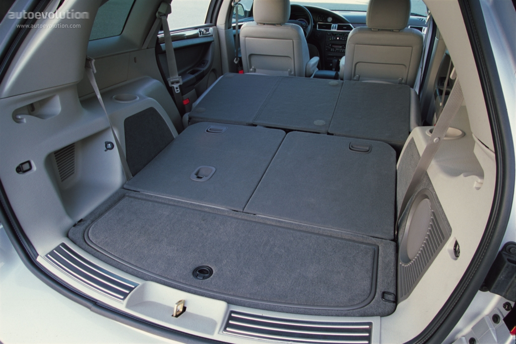 Chryslerpacifica on 2003 Chrysler Town And Country Inside