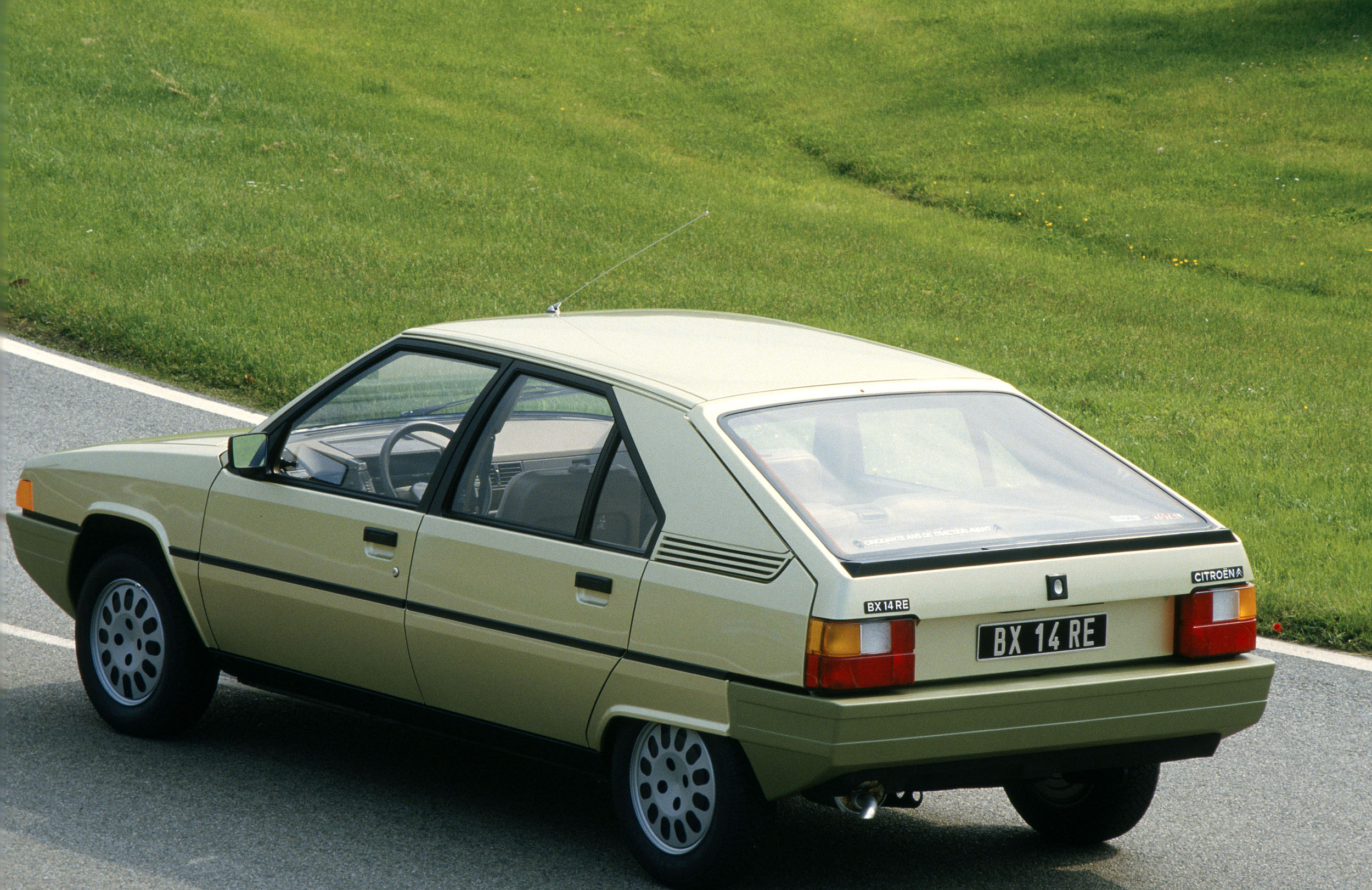 1983 citroen bx with Citroen Bx 1983 on Bx 12 likewise DAB 20  20Pagina 2013 besides 19104 likewise Bxphoto38 besides Bx 12.