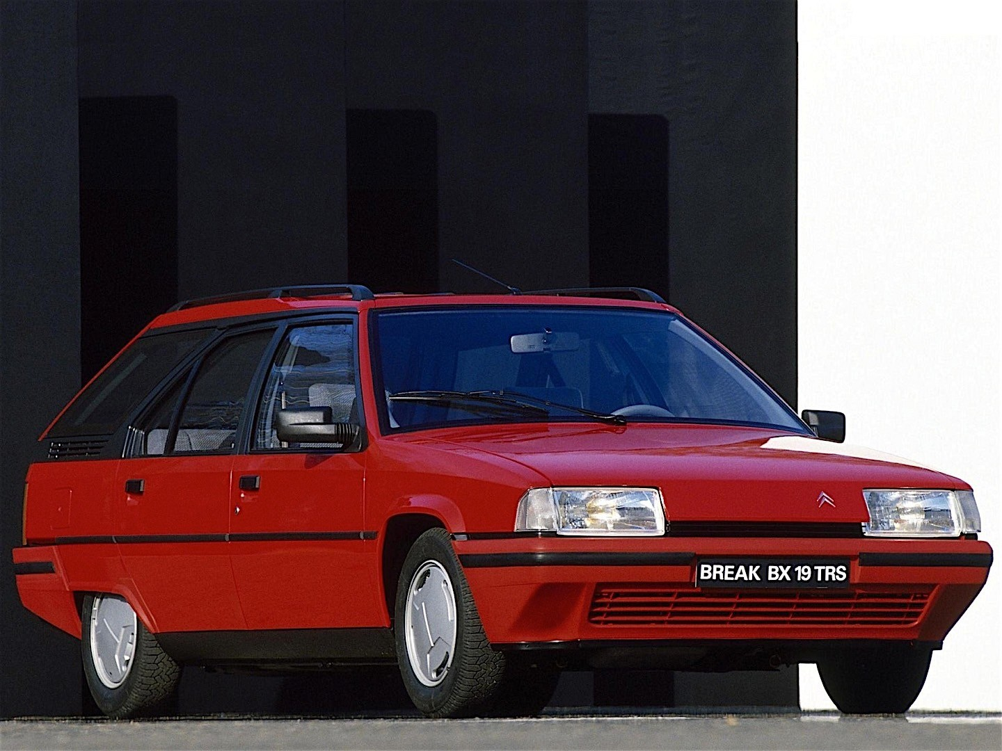citroen bx break specs 1989 1990 1991 1992 1993 1994 autoevolution. Black Bedroom Furniture Sets. Home Design Ideas