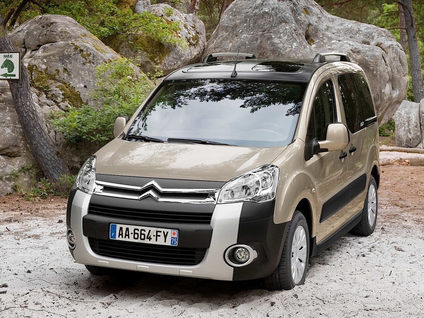 citroen berlingo specs 2008 2009 2010 2011 2012 autoevolution. Black Bedroom Furniture Sets. Home Design Ideas