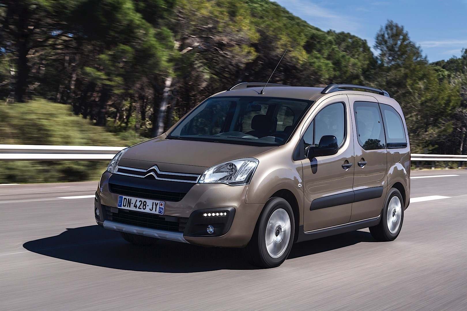 citroen berlingo specs 2012 2013 2014 2015. Black Bedroom Furniture Sets. Home Design Ideas