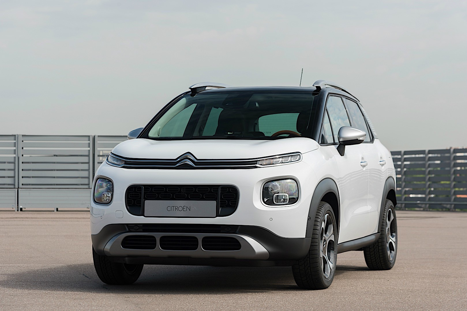 citroen c3 aircross specs photos 2017 2018 2019 autoevolution. Black Bedroom Furniture Sets. Home Design Ideas