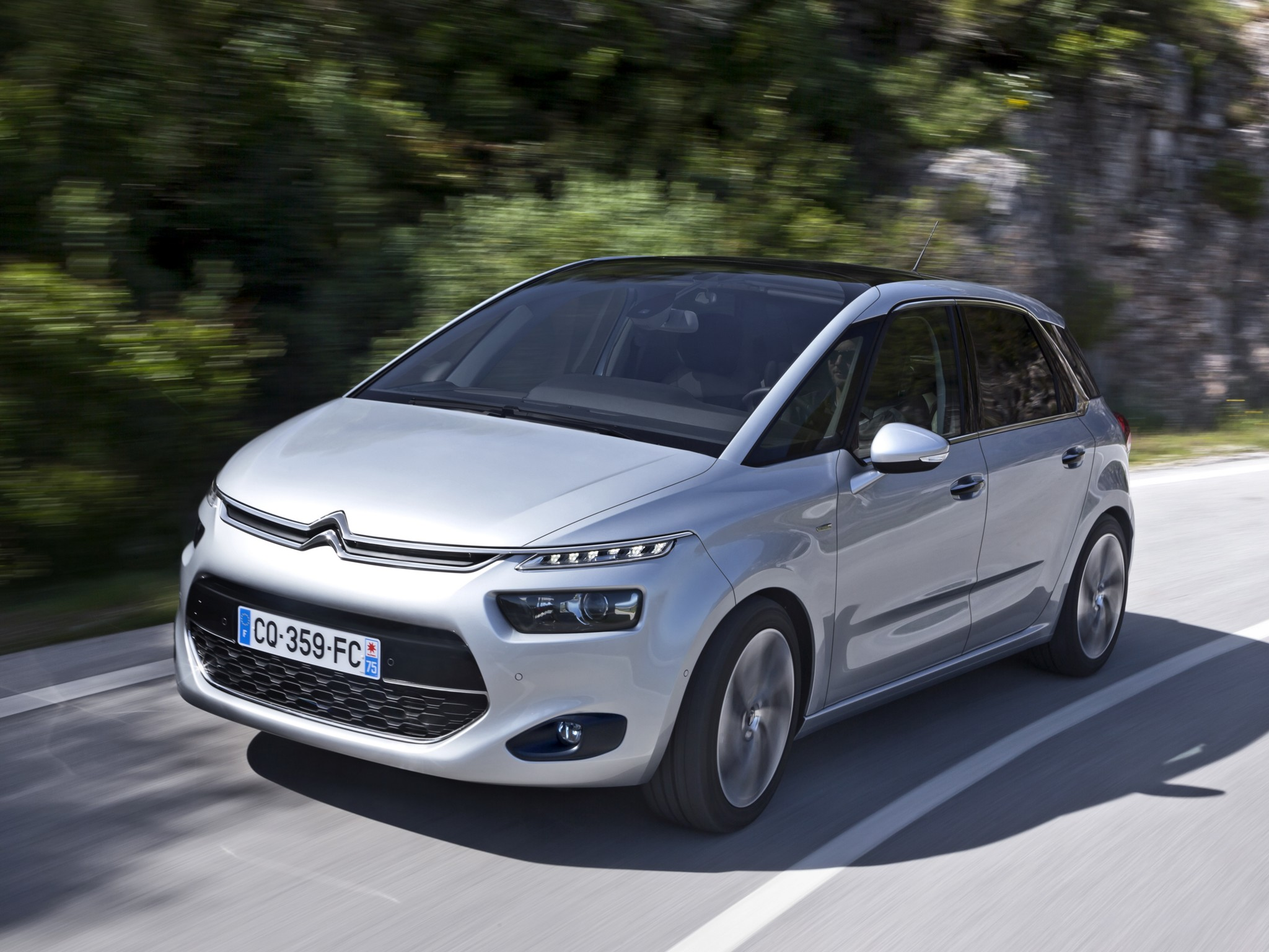 citroen c4 picasso specs 2013 2014 2015 2016 autoevolution. Black Bedroom Furniture Sets. Home Design Ideas