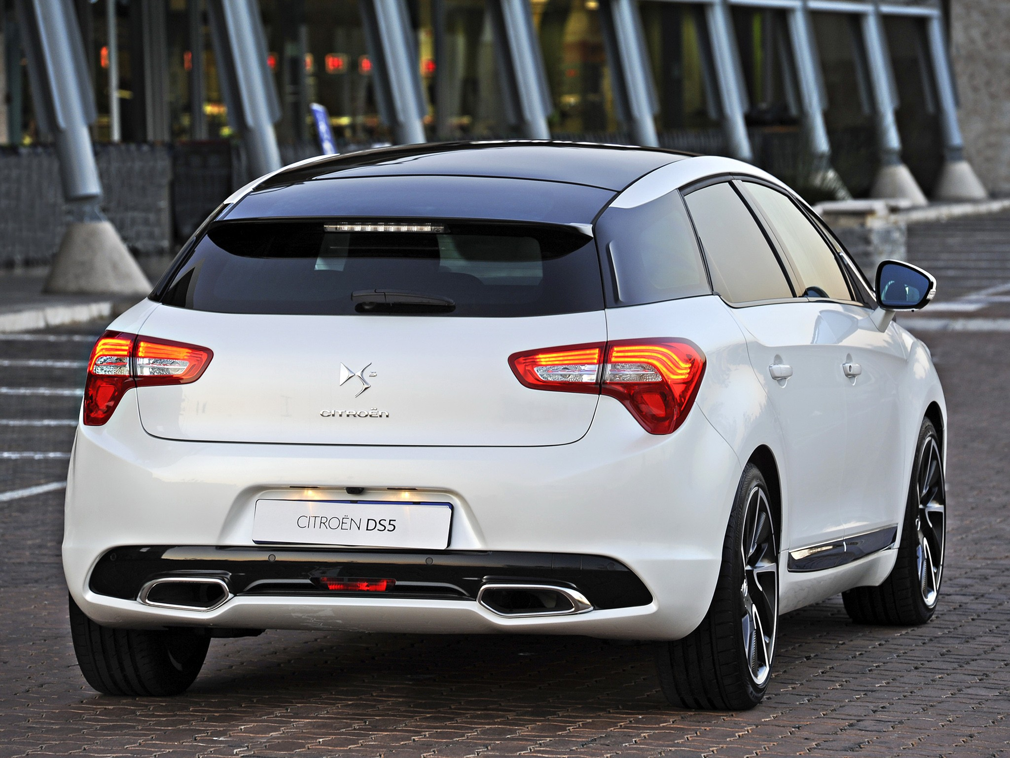 citroen ds5 specs amp photos 2011 2012 2013 2014 2015