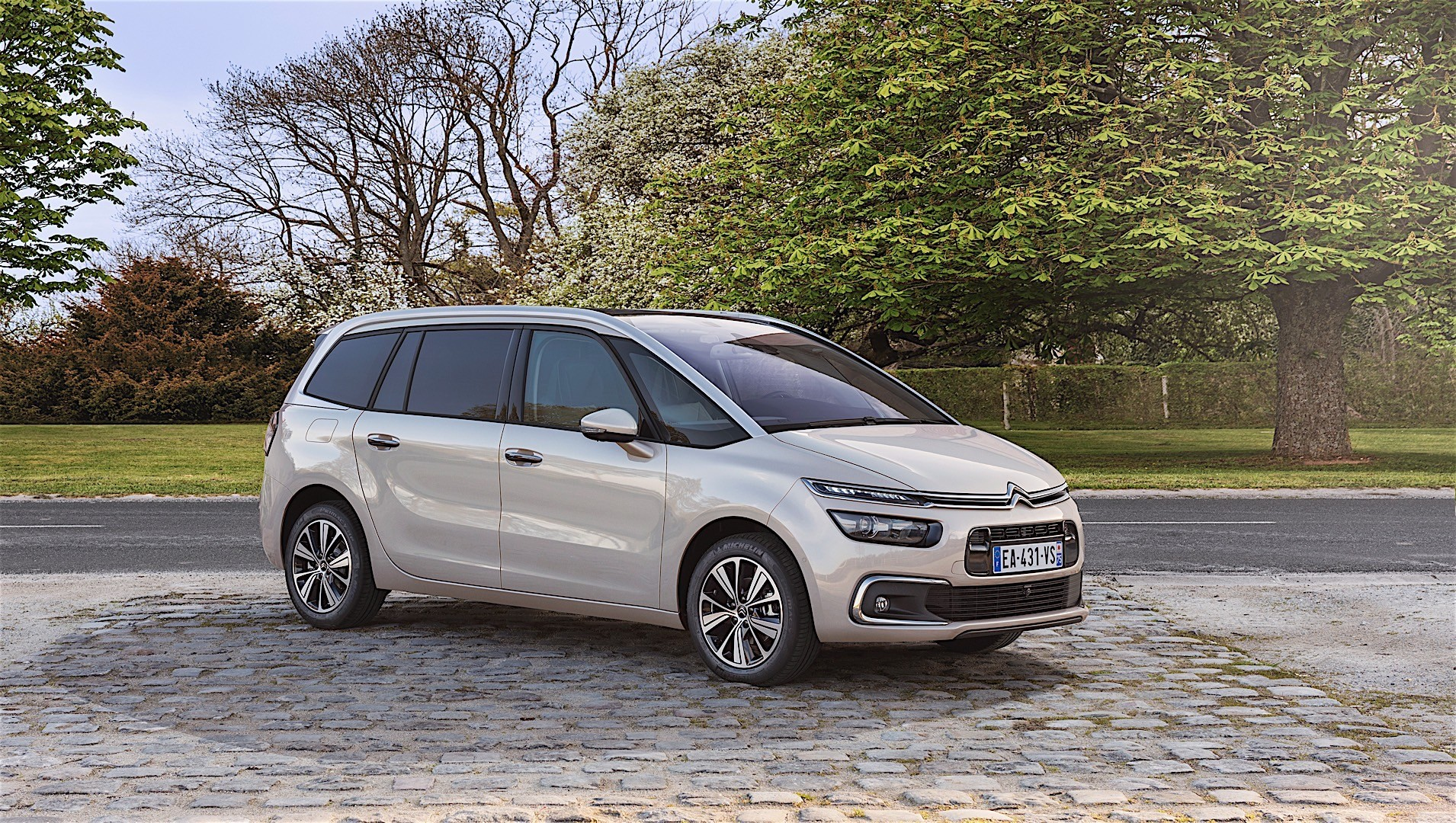 citroen grand c4 picasso specs 2016 2017 2018. Black Bedroom Furniture Sets. Home Design Ideas