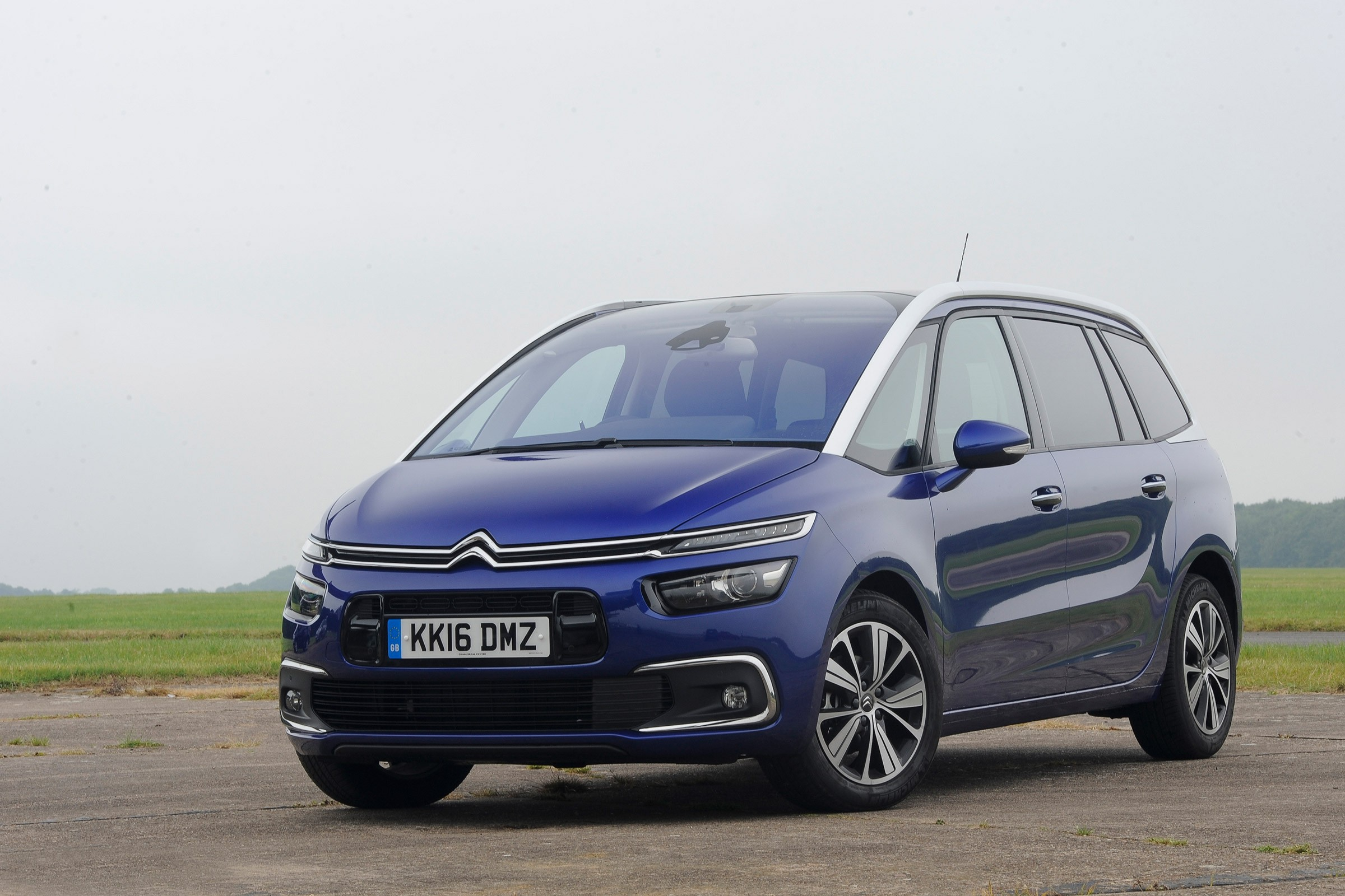 citroen grand c4 picasso specs 2016 2017 2018 autoevolution. Black Bedroom Furniture Sets. Home Design Ideas