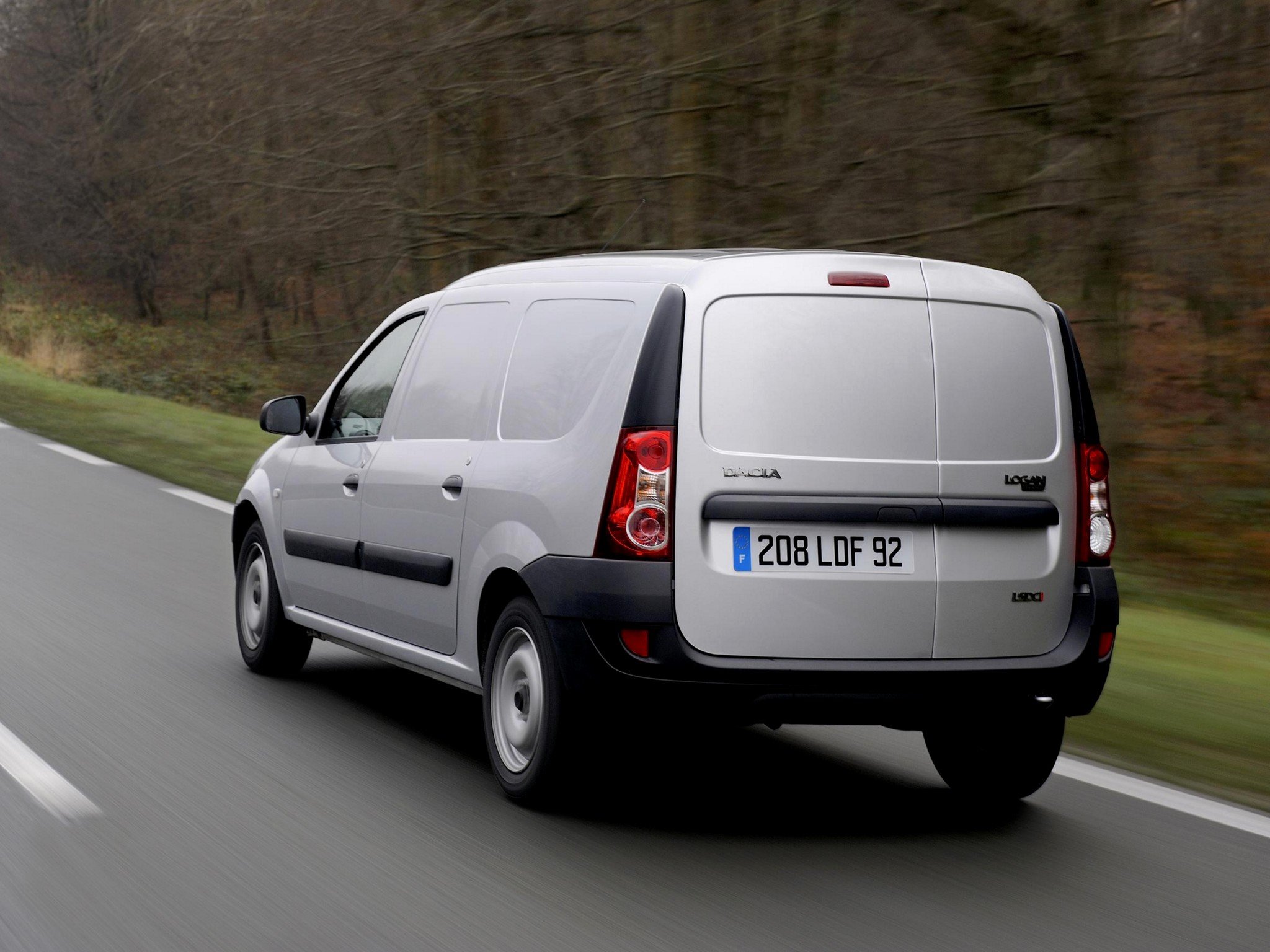 Dacia Logan Van Specs Amp Photos 2007 2008 2009 2010 2011 2012 Autoevolution