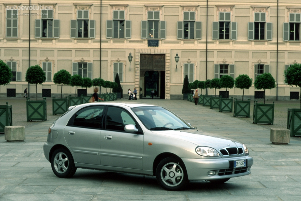 DAEWOO Lanos Hatchback 5 Doors specs - 1996, 1997, 1998, 1999, 2000