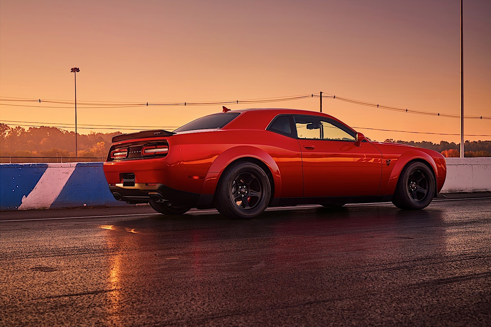 dodge challenger srt demon specs 2017 2018 autoevolution. Black Bedroom Furniture Sets. Home Design Ideas