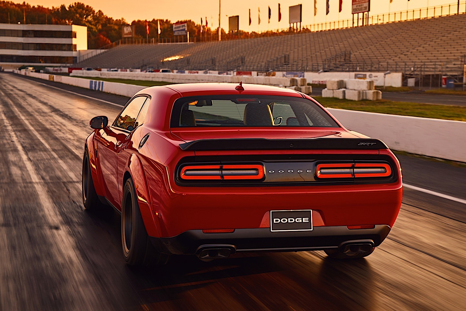 DODGE Challenger SRT Demon specs & photos - 2017, 2018 ...