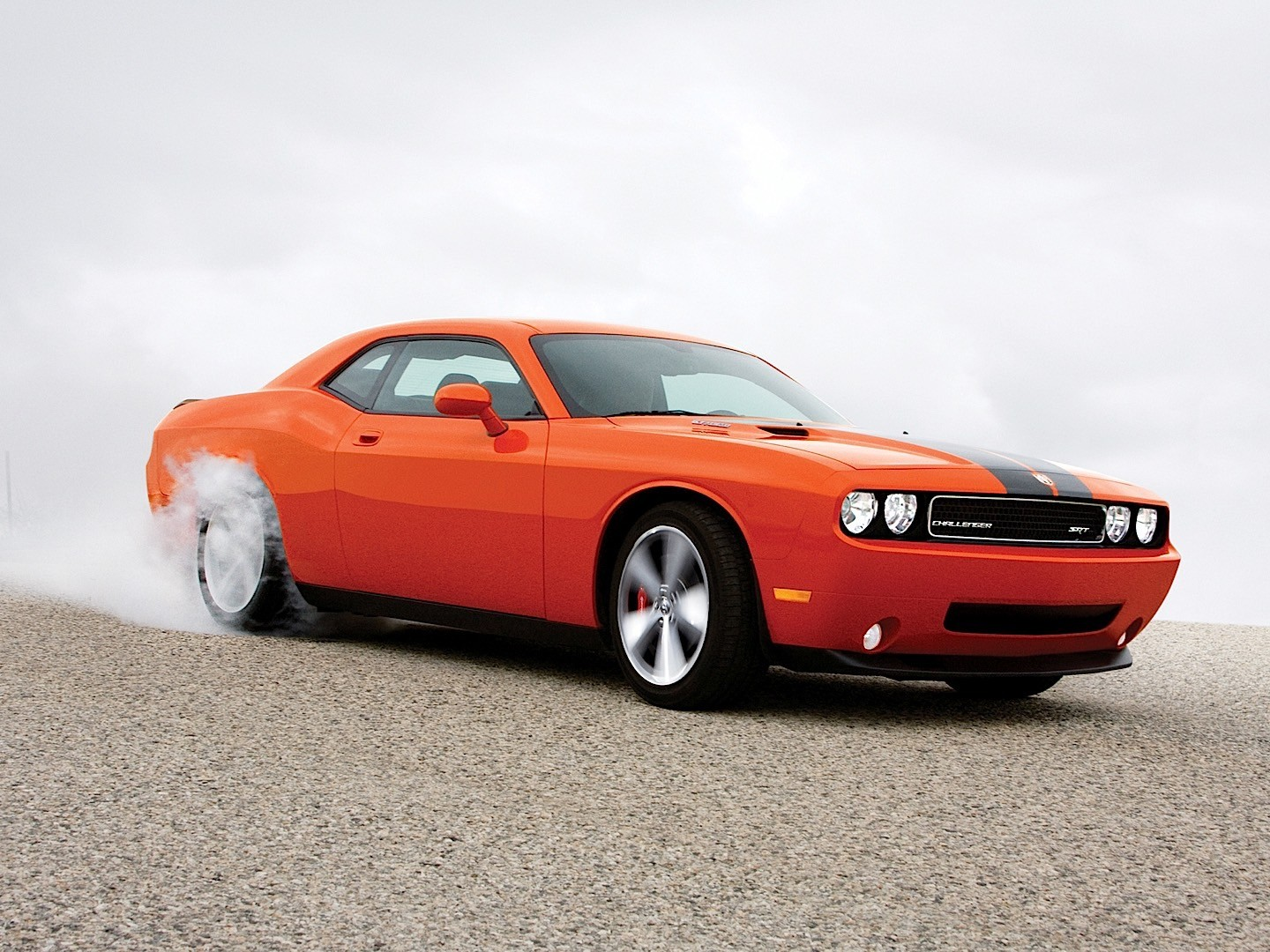 Dodge Challenger Srt on Muscle Cars With Hemi Engines