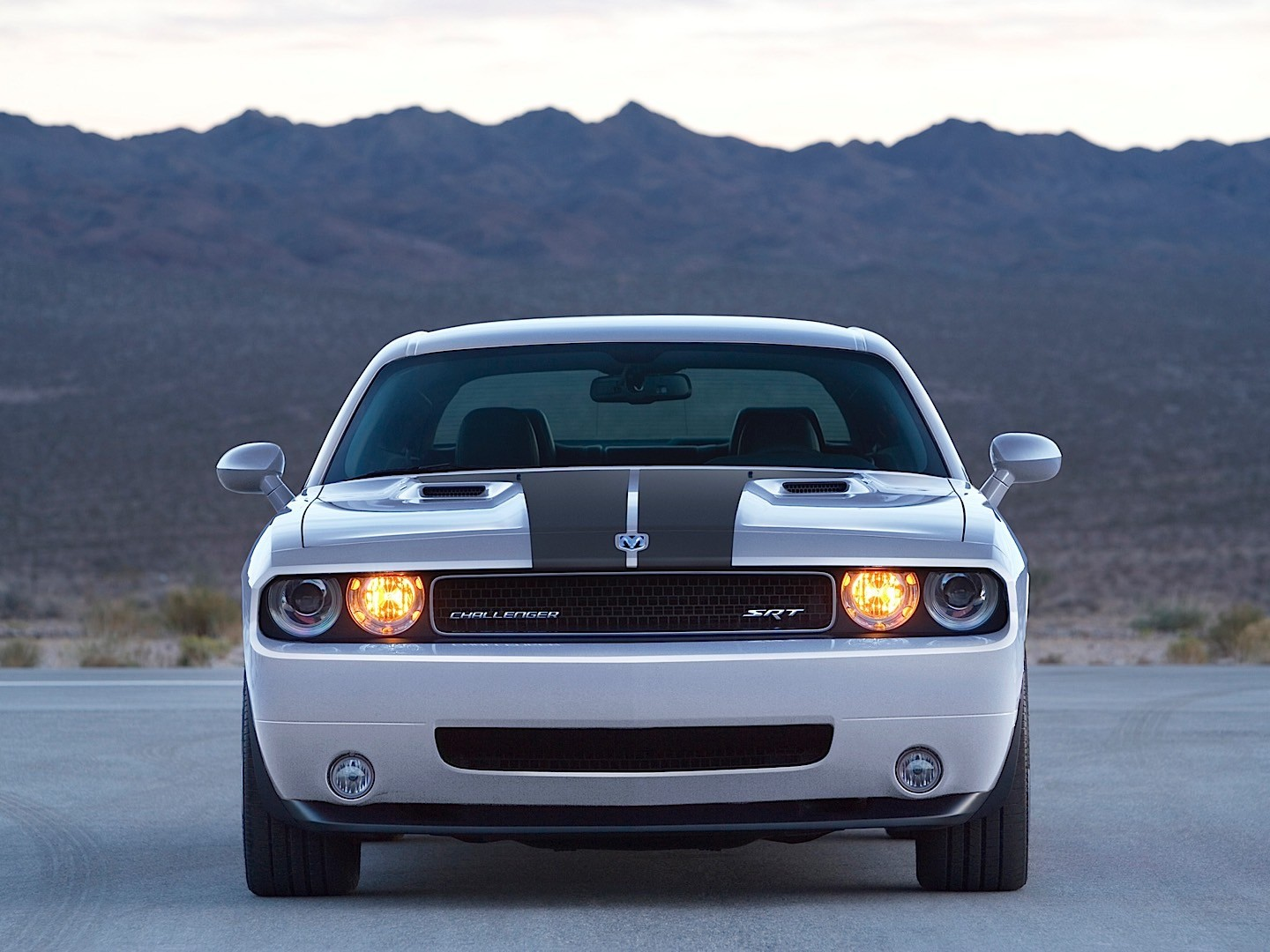 dodge challenger srt8 specs photos 2008 2009 2010 2011 2012 2013 autoevolution. Black Bedroom Furniture Sets. Home Design Ideas
