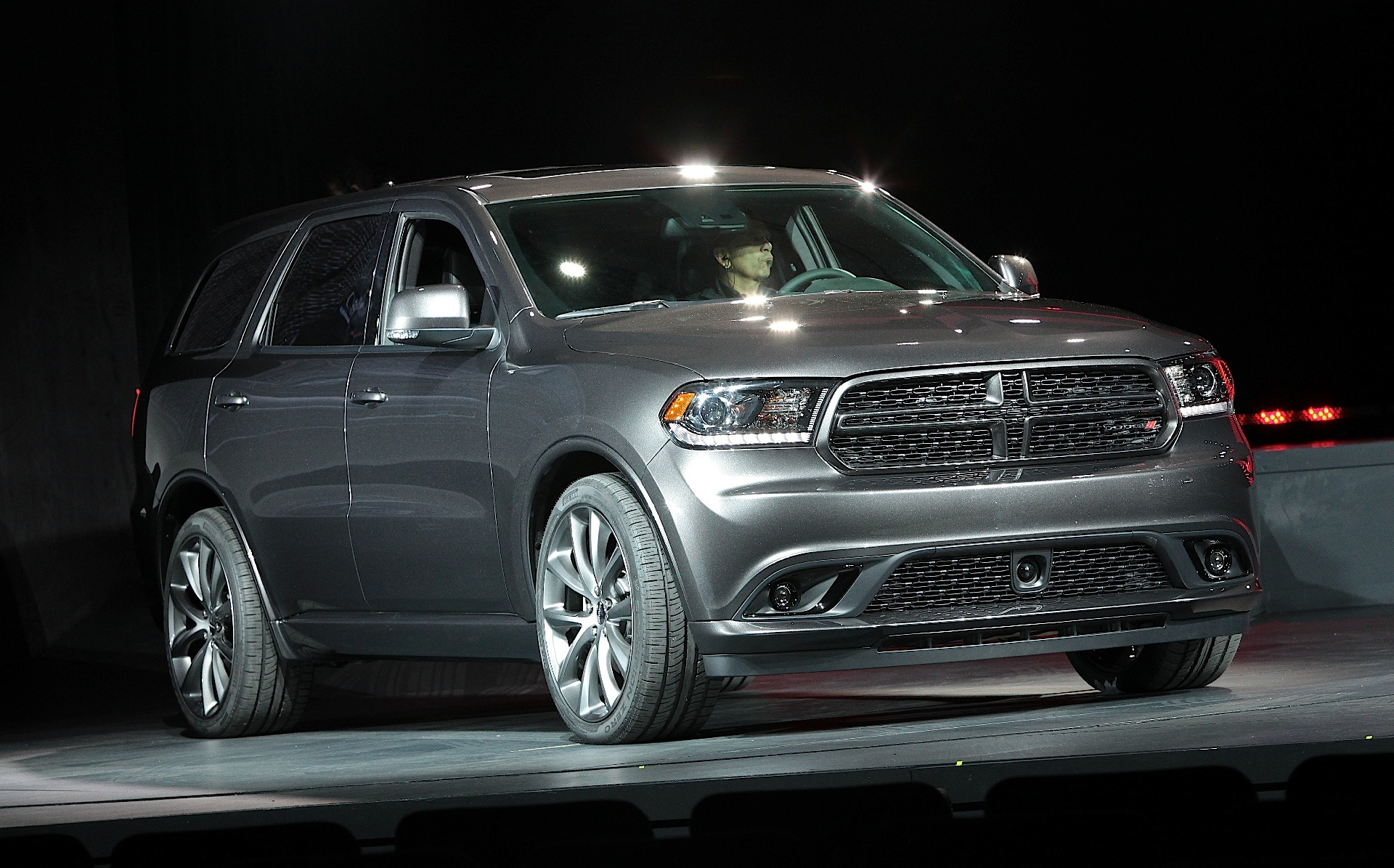 dodge durango specs photos 2013 2014 2015 2016 2017 2018 autoevolution. Black Bedroom Furniture Sets. Home Design Ideas