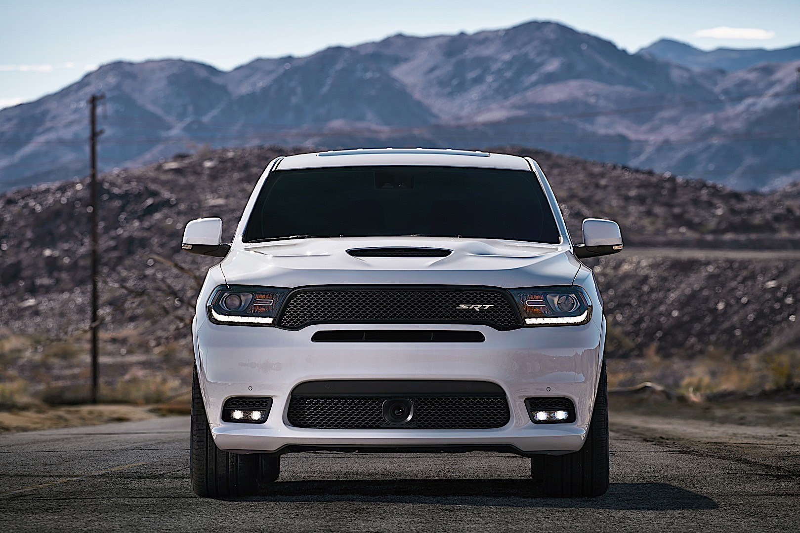 DODGE Durango SRT specs & photos - 2017, 2018 - autoevolution