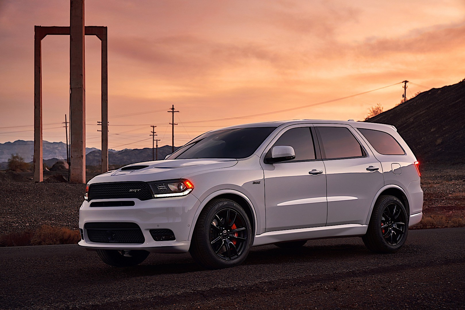 dodge durango srt specs 2017 2018 autoevolution. Black Bedroom Furniture Sets. Home Design Ideas