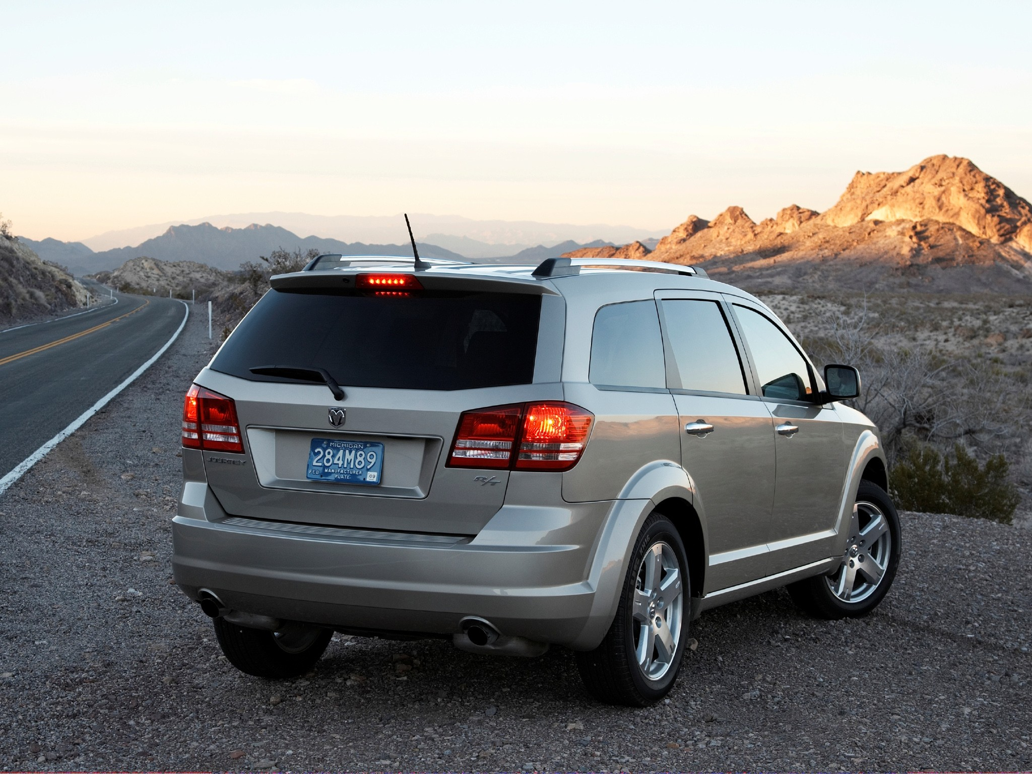 dodge journey specs photos 2008 2009 2010 2011 autoevolution. Black Bedroom Furniture Sets. Home Design Ideas